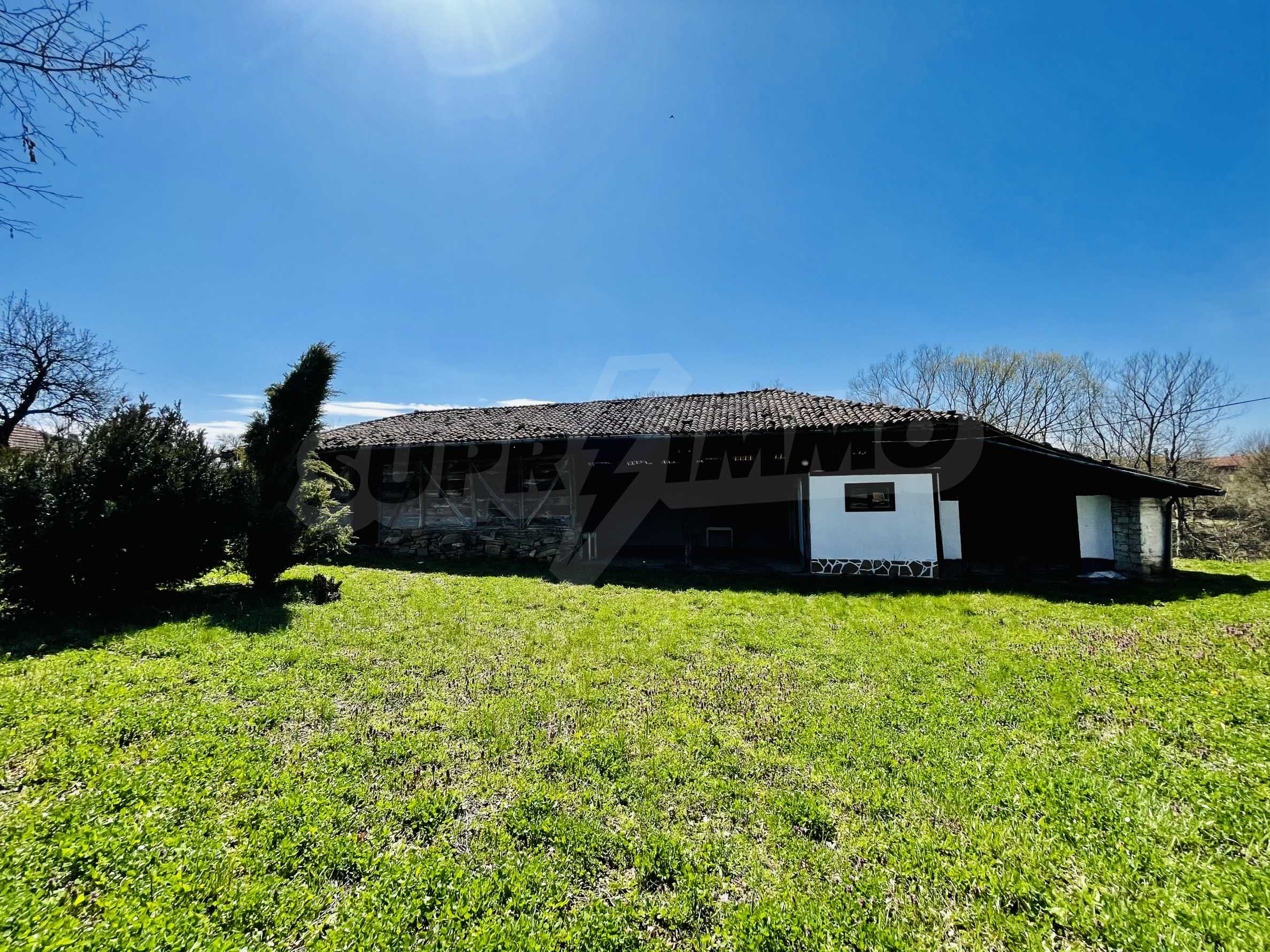 Two houses in a large yard only 15 km from Veliko Tarnovo 40
