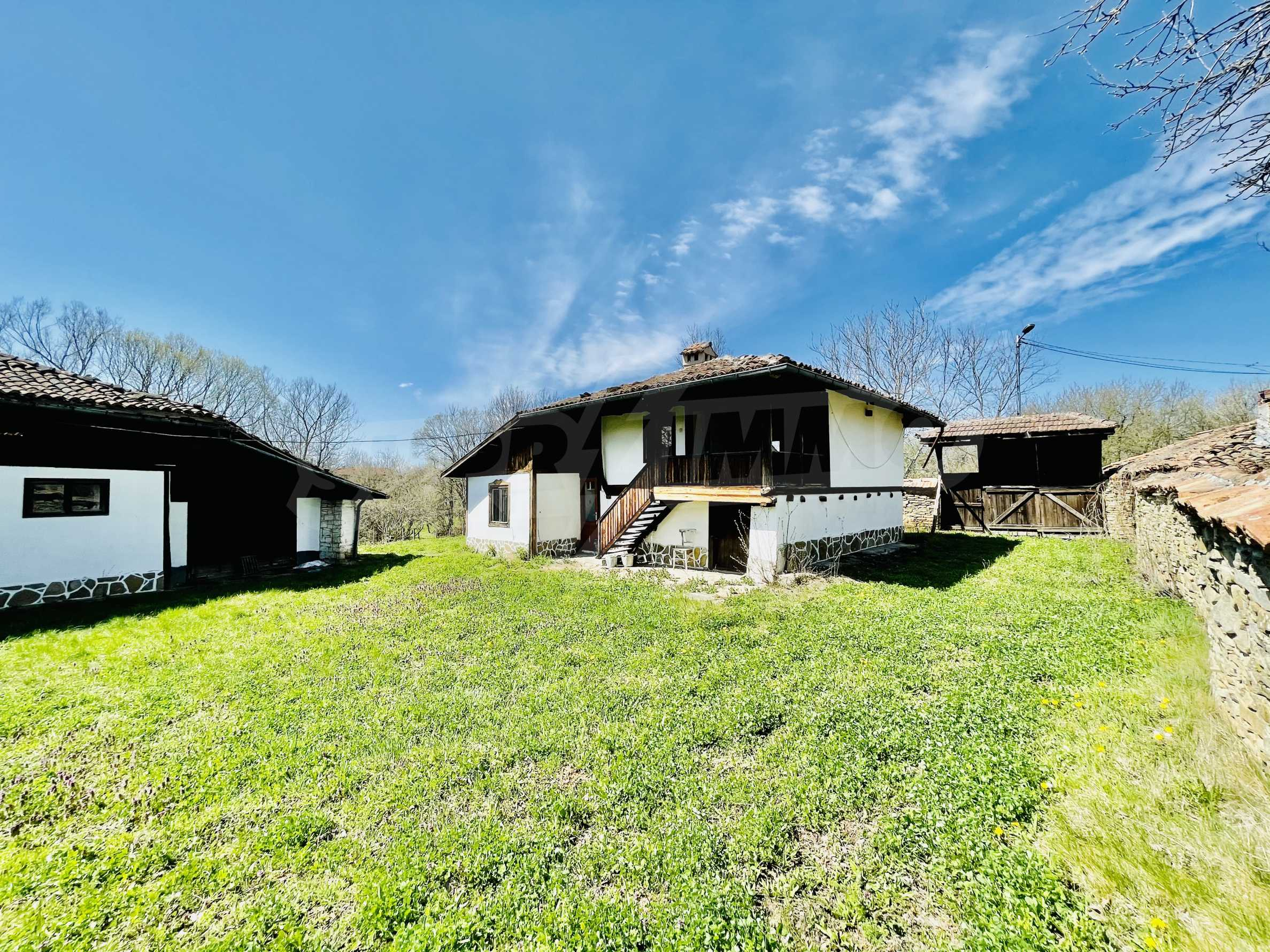 Two houses in a large yard only 15 km from Veliko Tarnovo 4