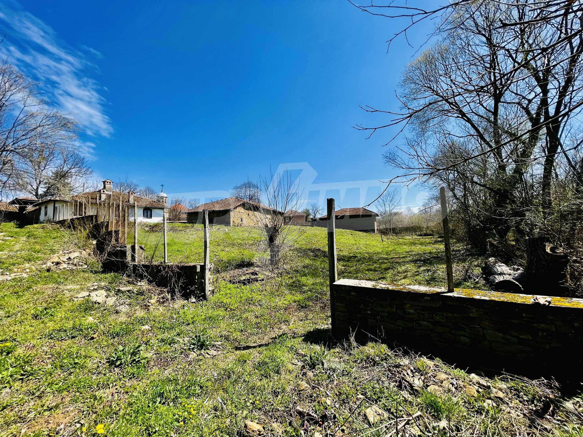 Two houses in a large yard only 15 km from Veliko Tarnovo 5