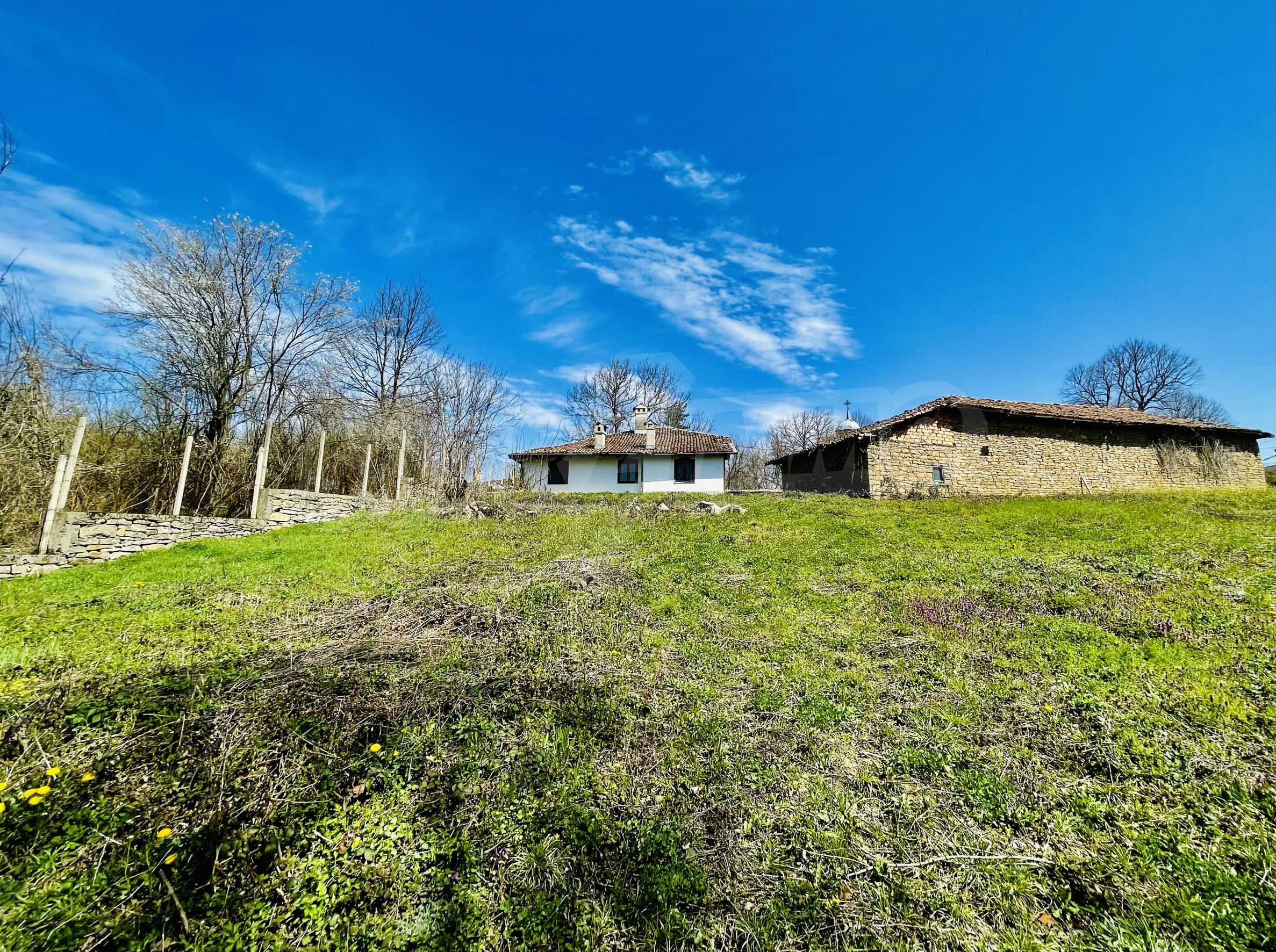 Two houses in a large yard only 15 km from Veliko Tarnovo 6