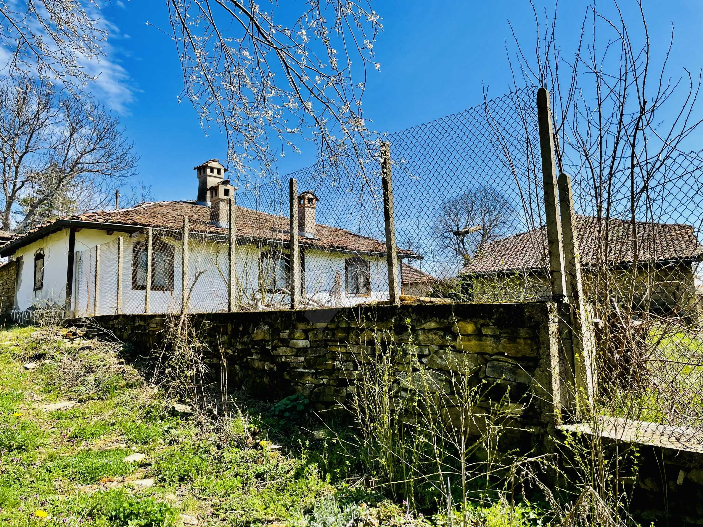 Two houses in a large yard only 15 km from Veliko Tarnovo 7
