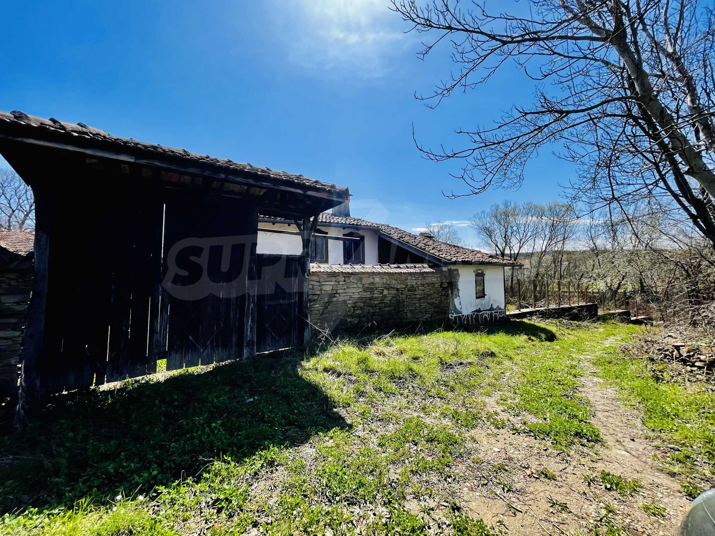 Two houses in a large yard only 15 km from Veliko Tarnovo 8