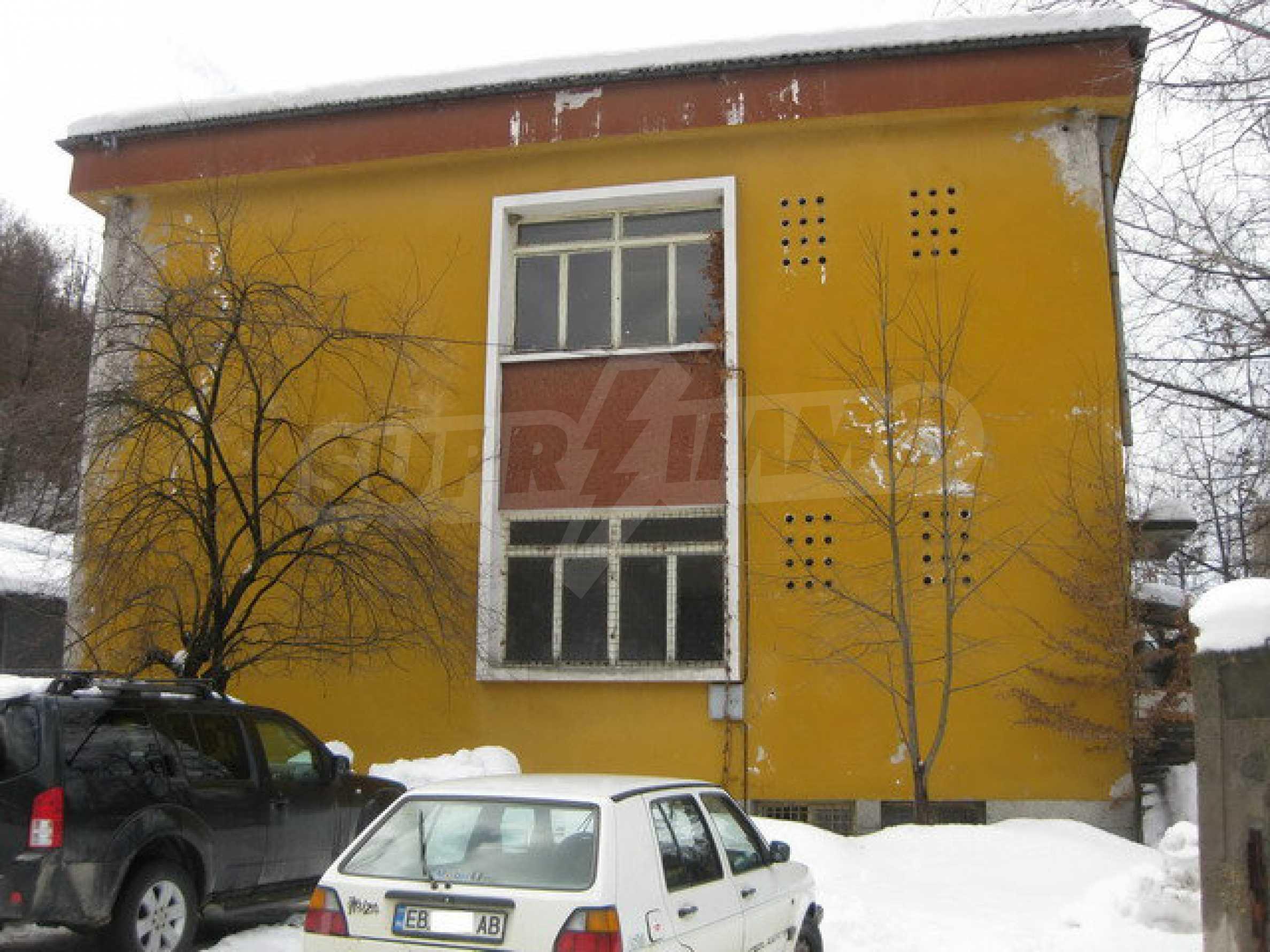 Фабрика по производству мебели в Габрово 1