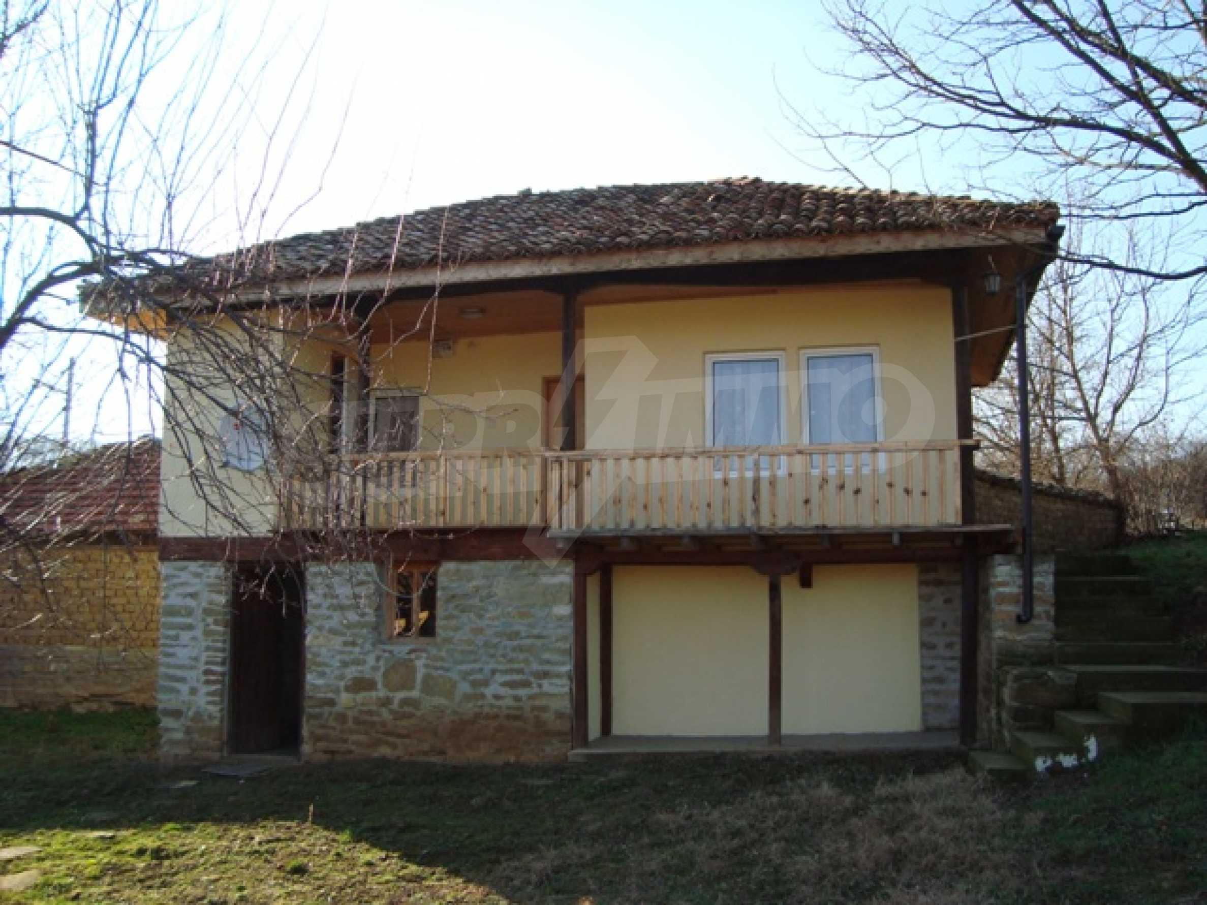 Уютна къща близо до язовир Тича 1
