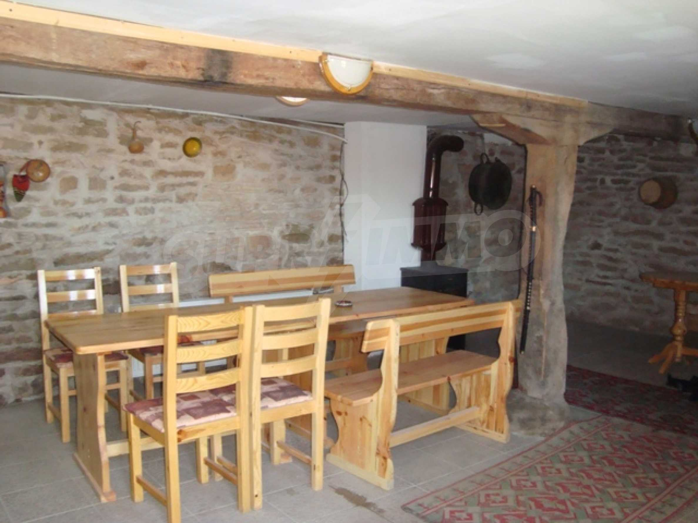 Уютна къща близо до язовир Тича 6