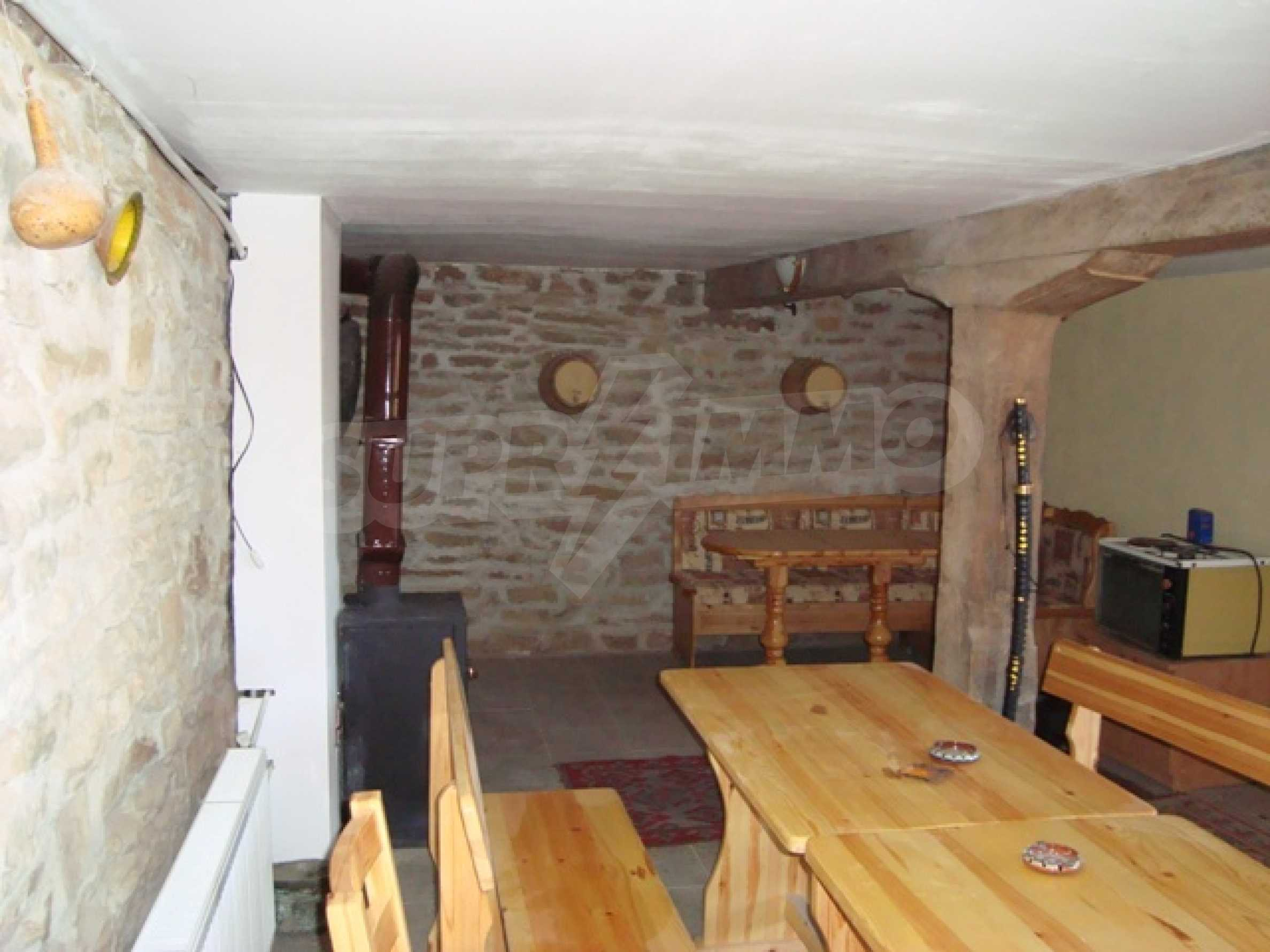 Уютна къща близо до язовир Тича 7