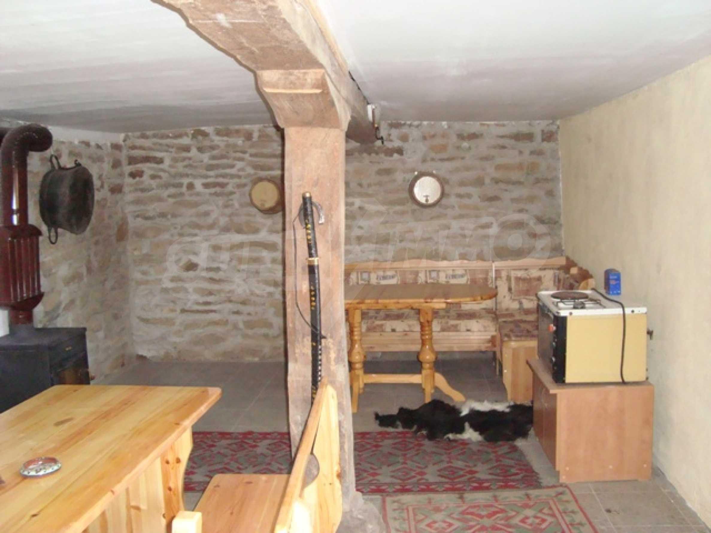 Уютна къща близо до язовир Тича 8