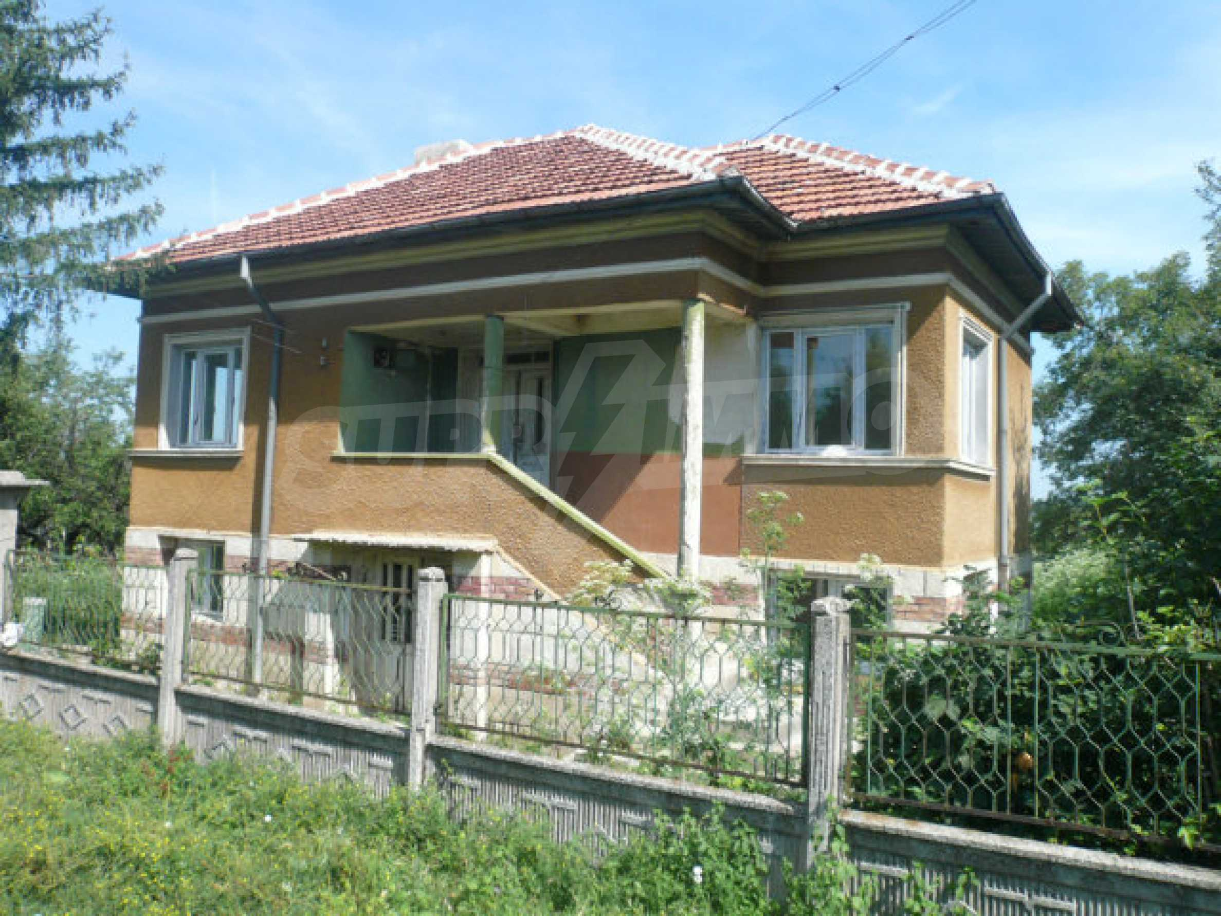 Geräumiges Haus mit Garten in einem ruhigen Dorf 1