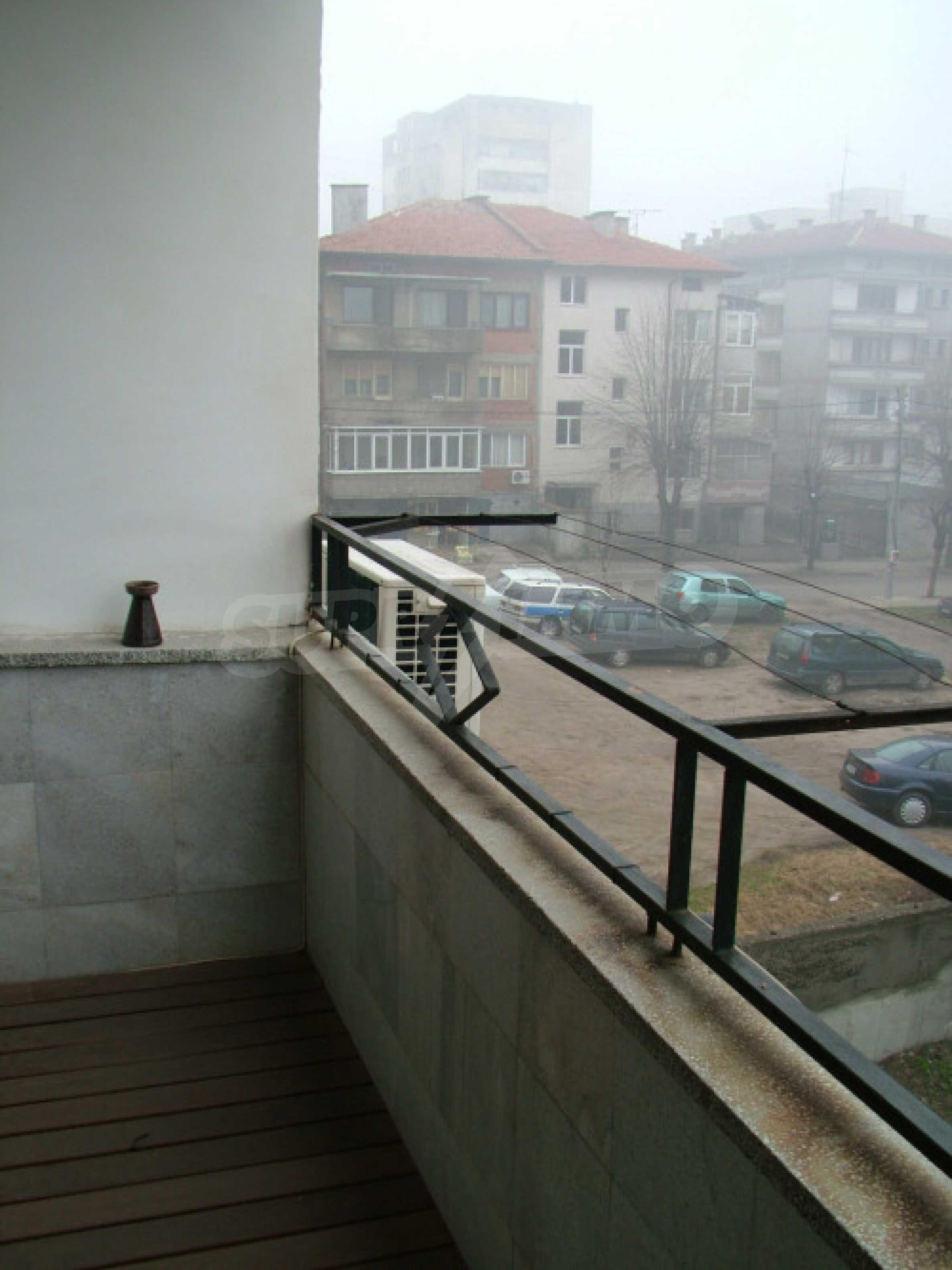 Четырехкомнатная квартира в г.Хасково 18