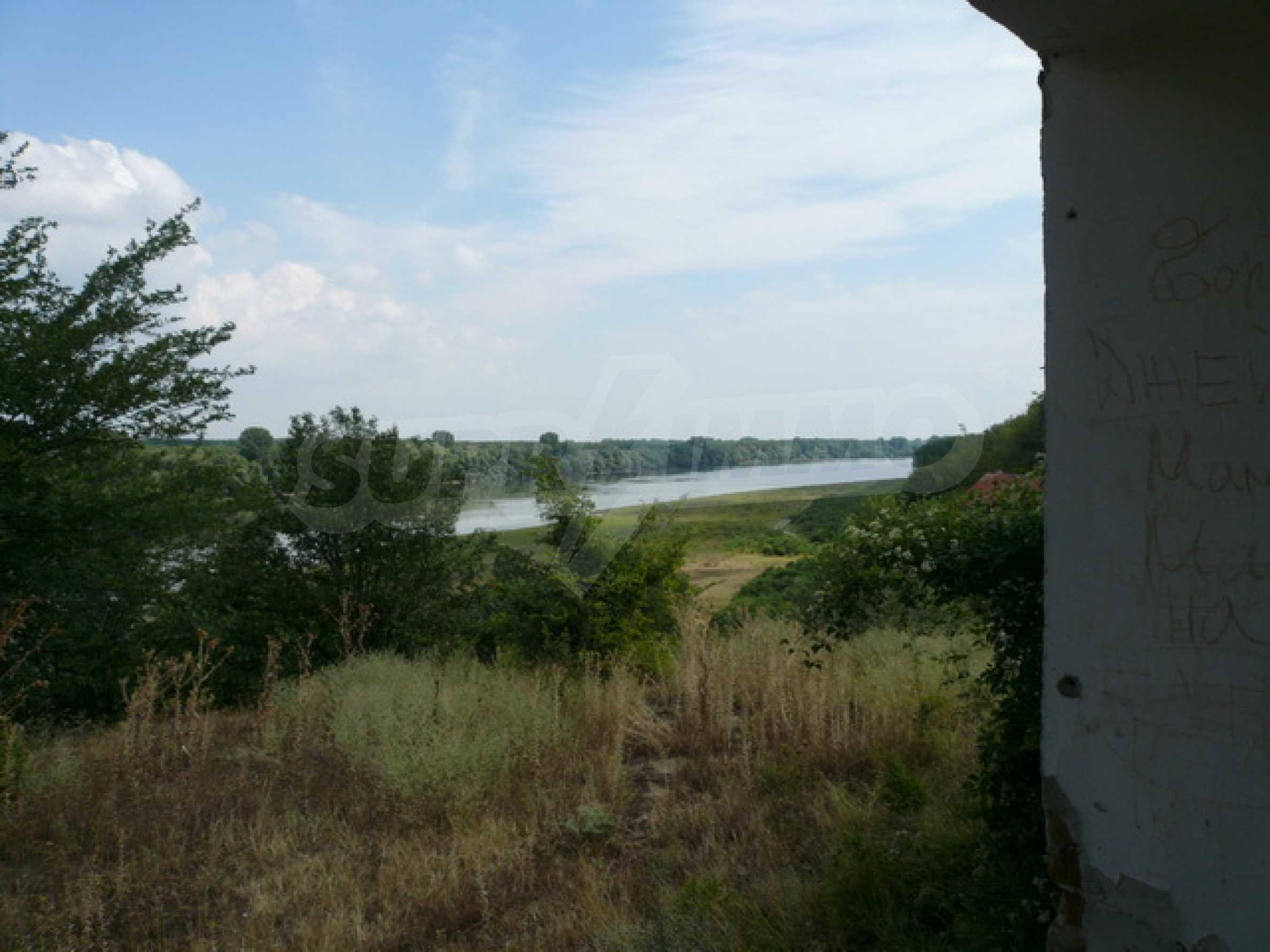 Haus am Ufer der Donau 14