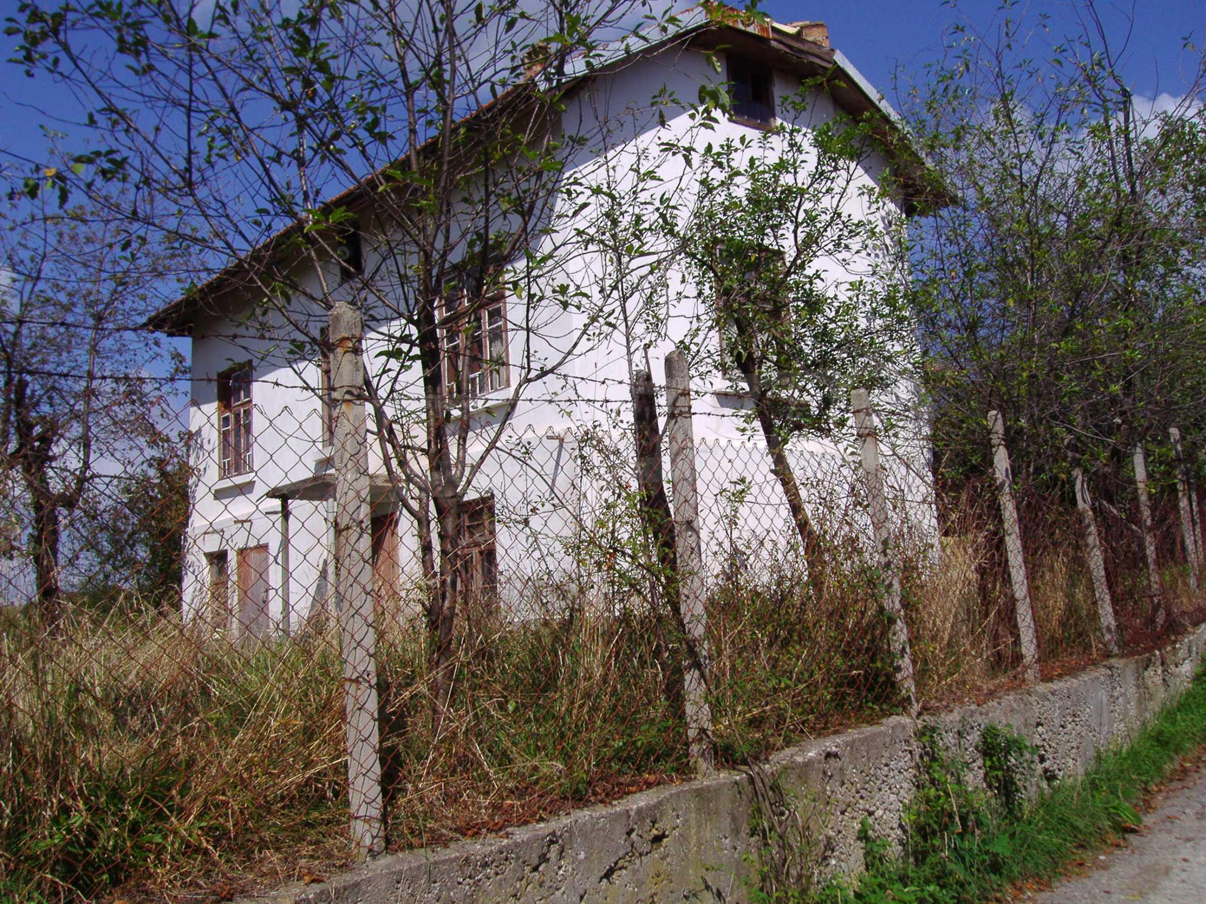 Authentisches Haus 10 km vom Kurort und der Stadt Tryavna entfernt 1