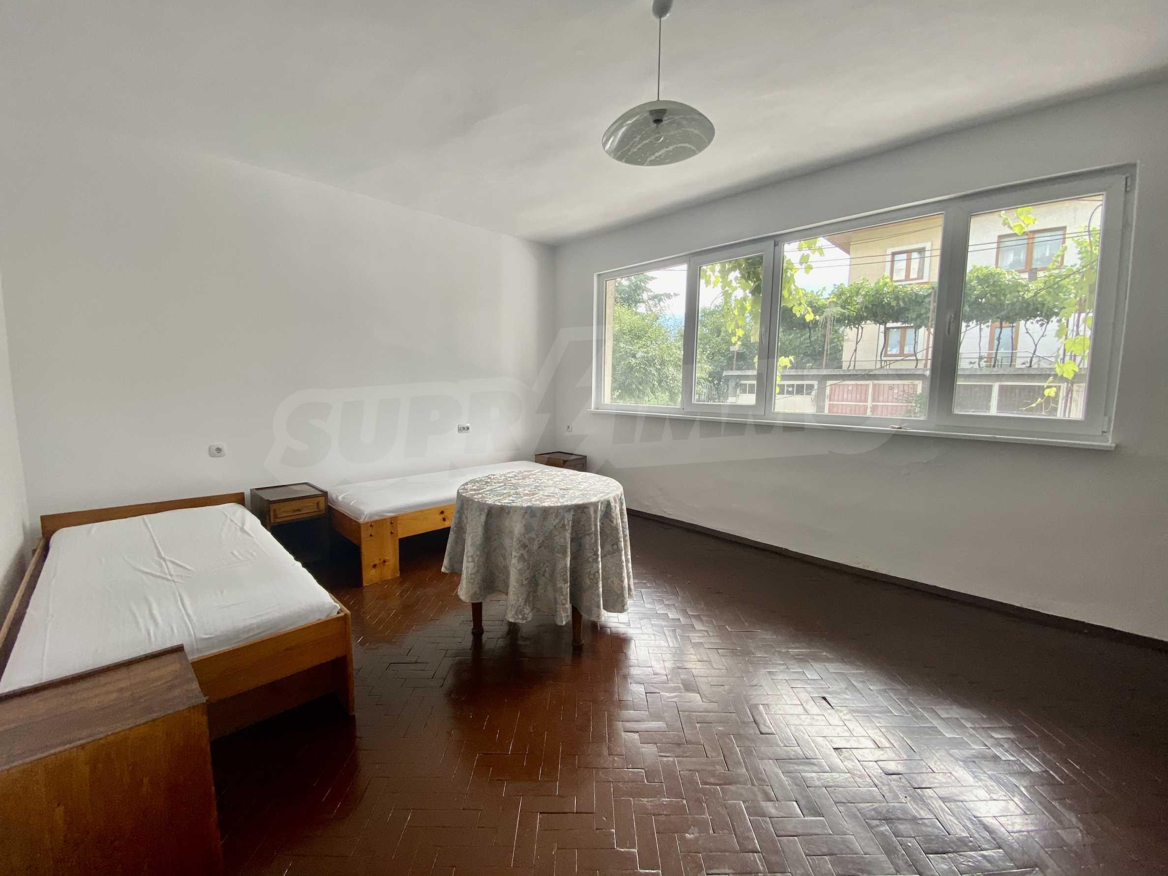 Тристаен апартамент в близост до центъра на Банско
