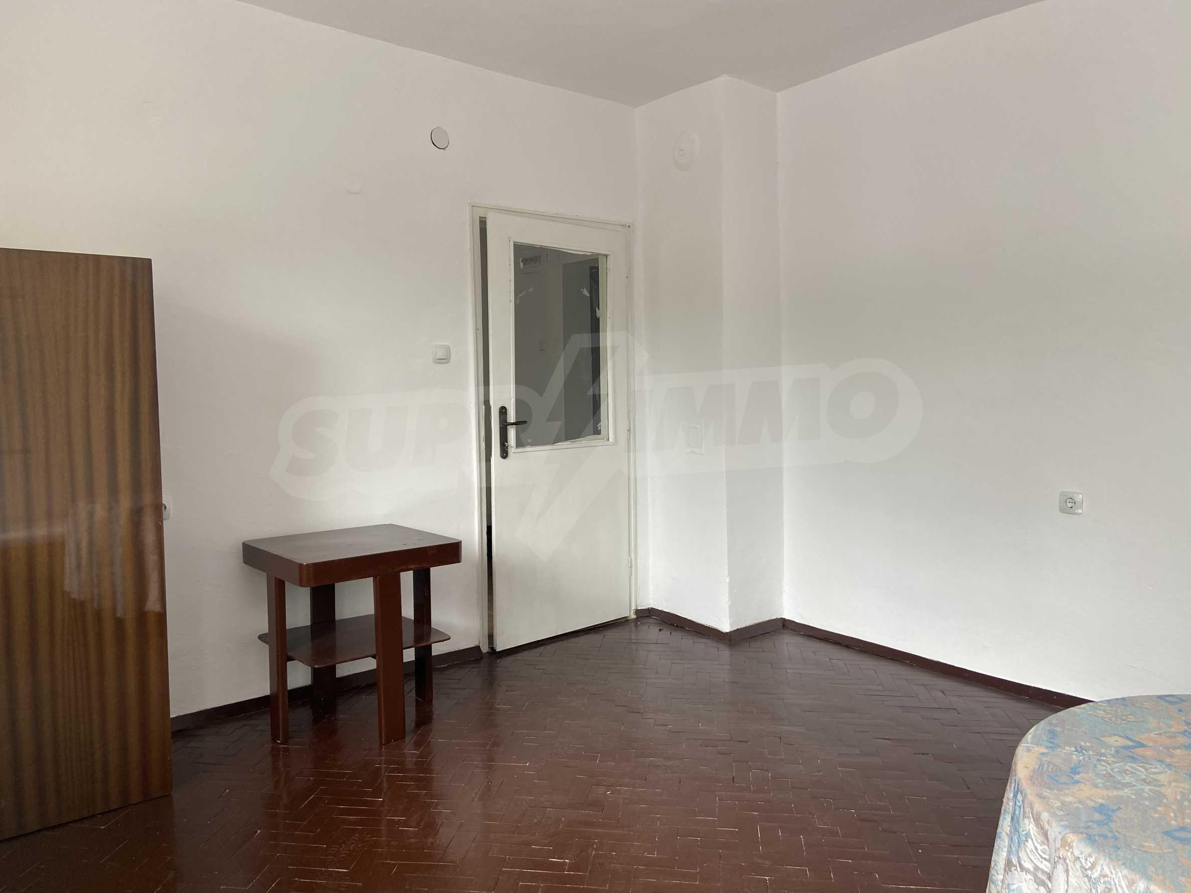 Тристаен апартамент в близост до центъра на Банско 4