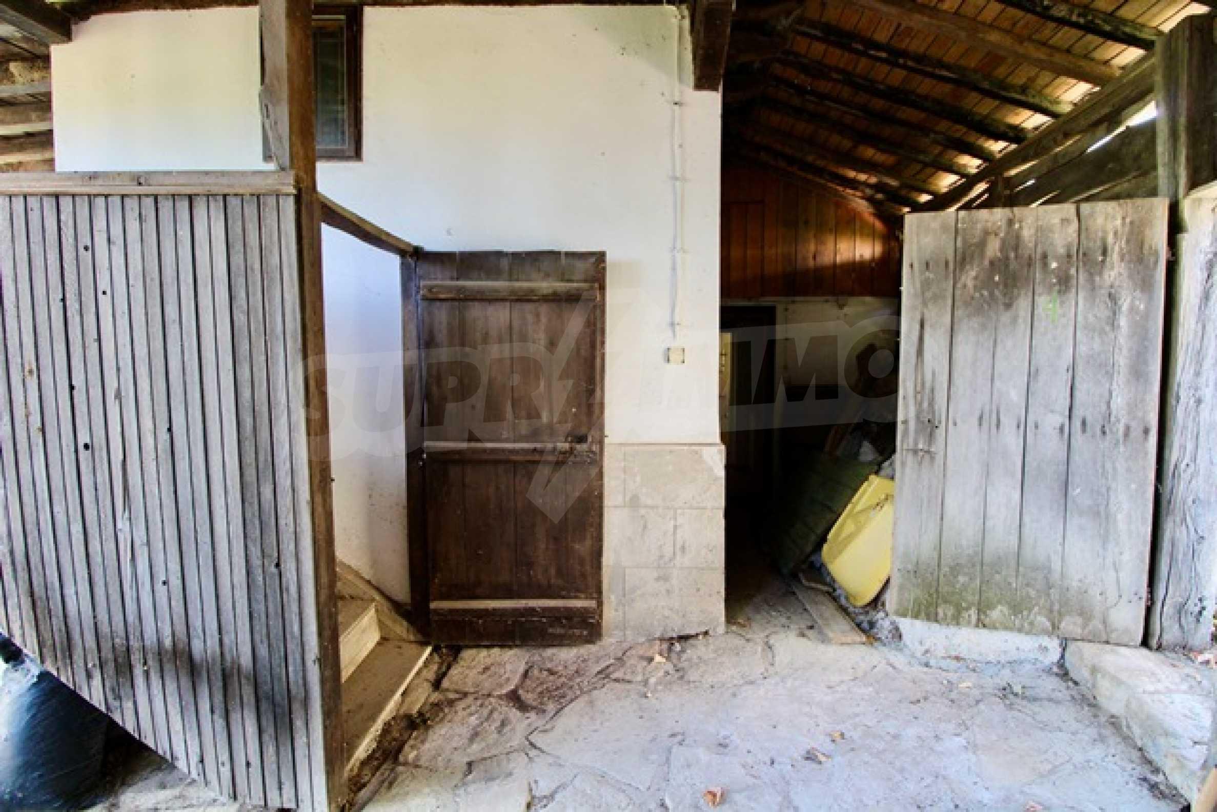 Реновирана възрожденска къща в Eленския балкан 9