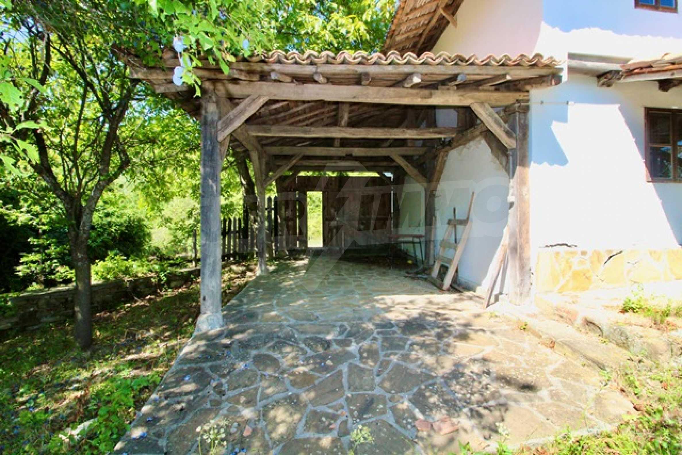 Реновирана възрожденска къща в Eленския балкан 28