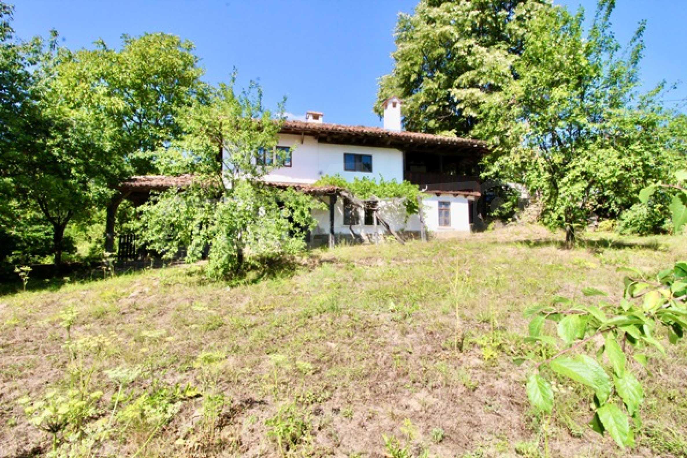 Реновирана възрожденска къща в Eленския балкан 30