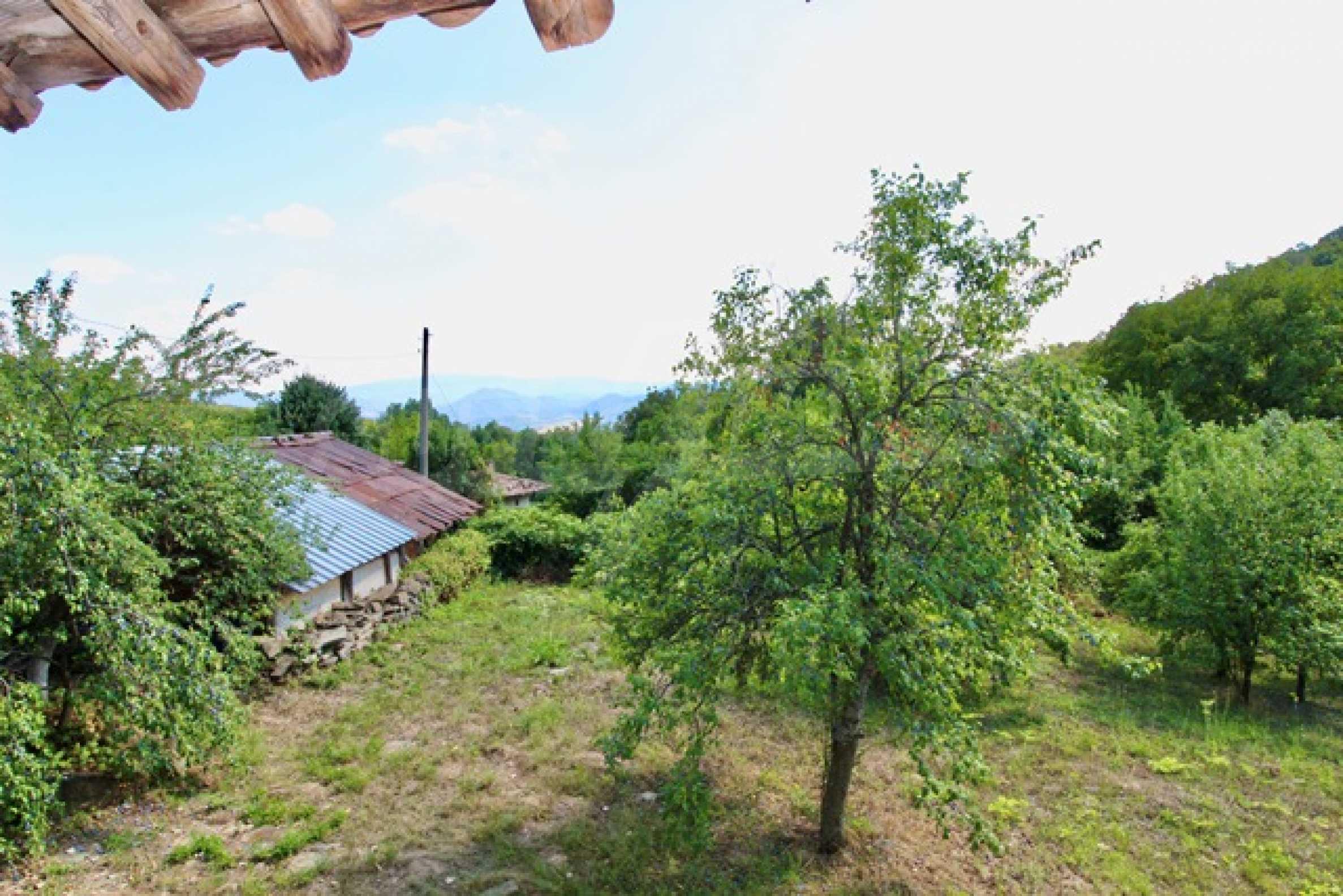 Реновирана възрожденска къща в Eленския балкан 31