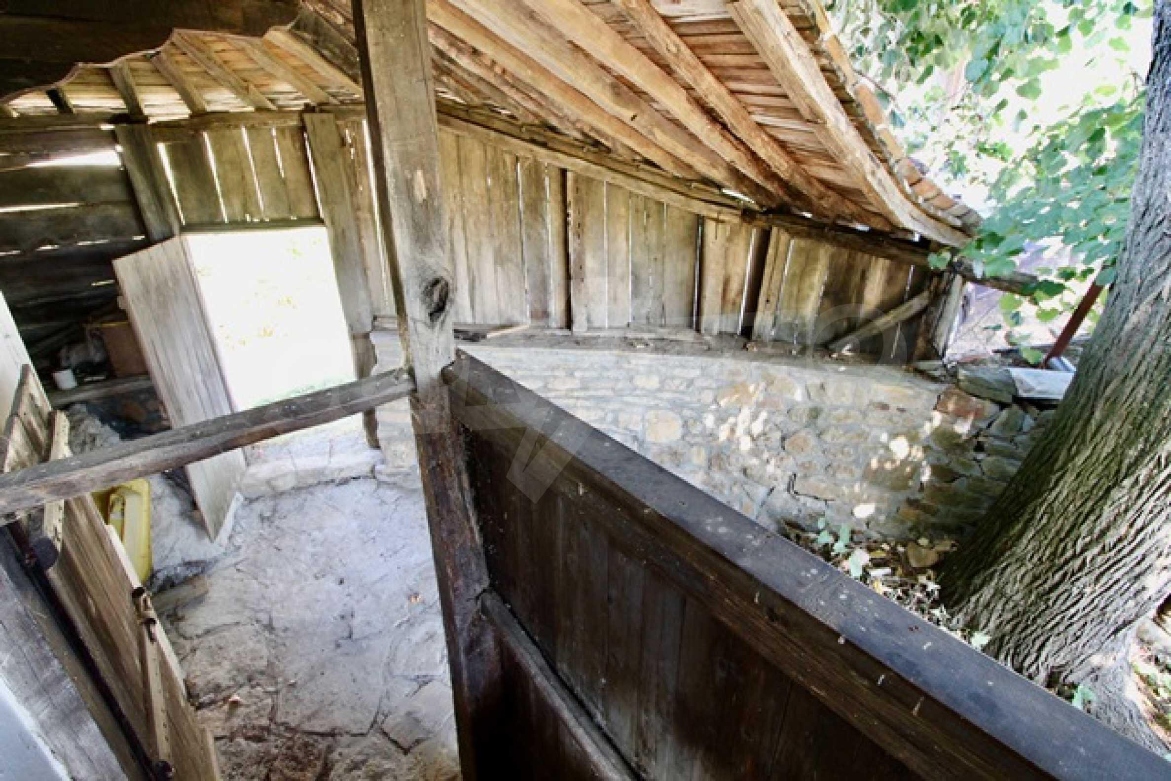 Реновирана възрожденска къща в Eленския балкан 34