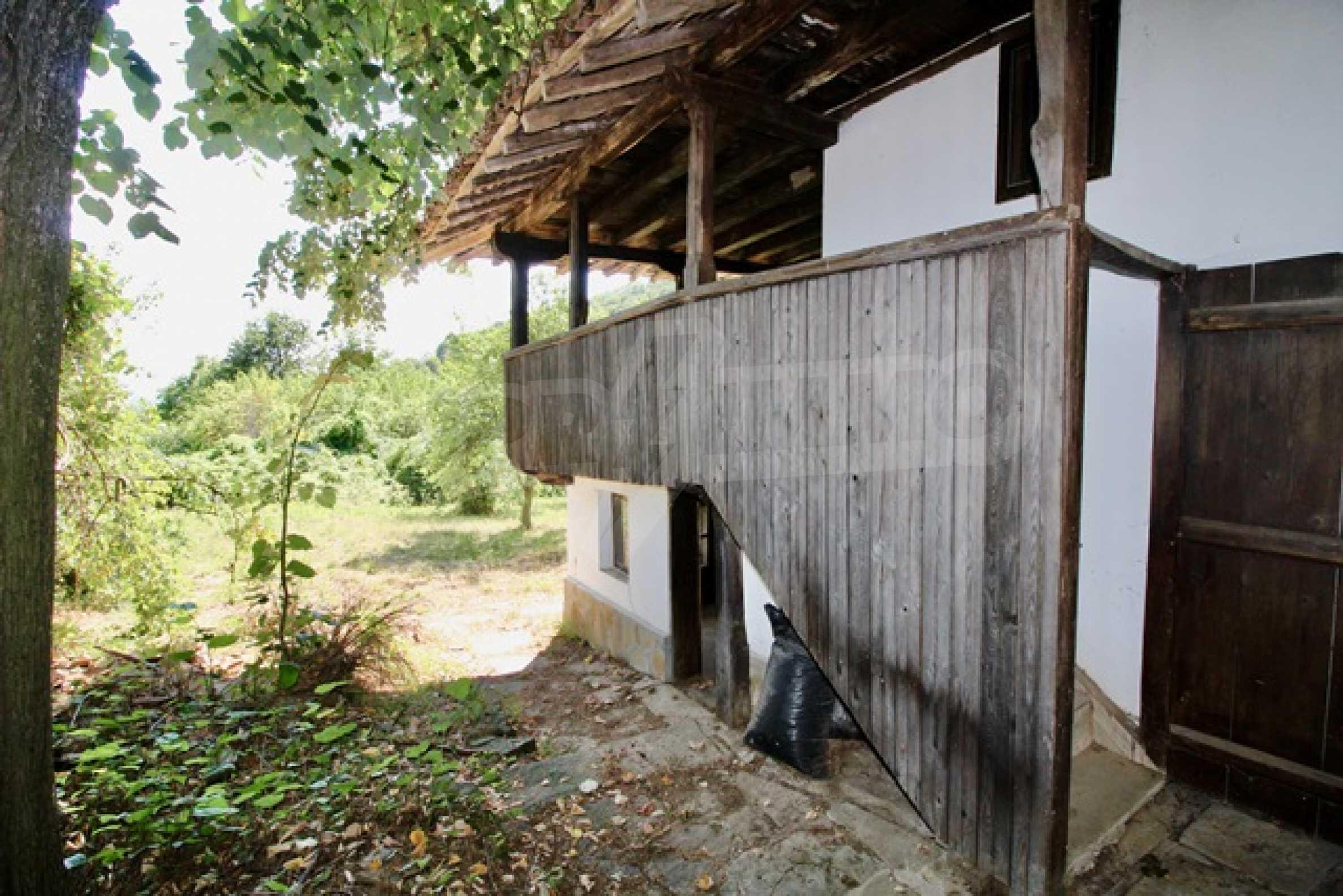 Реновирана възрожденска къща в Eленския балкан 8