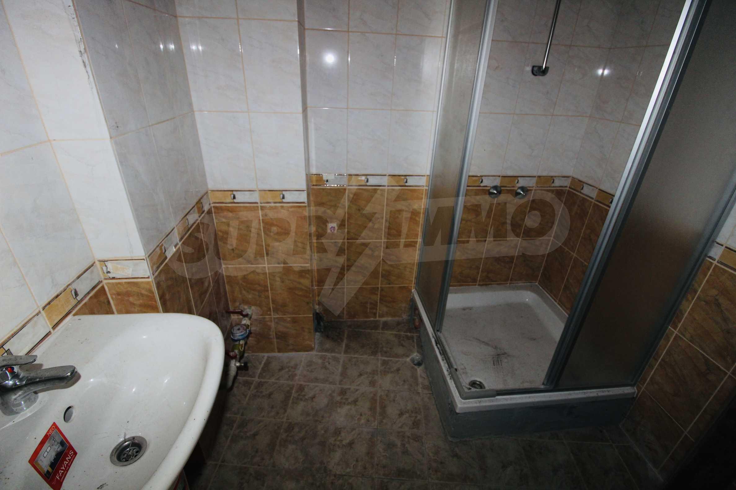 Zwei-Zimmer-Wohnung mit Parkplatz und Keller in der berühmten architektonischen Reserve Arbanassi 9