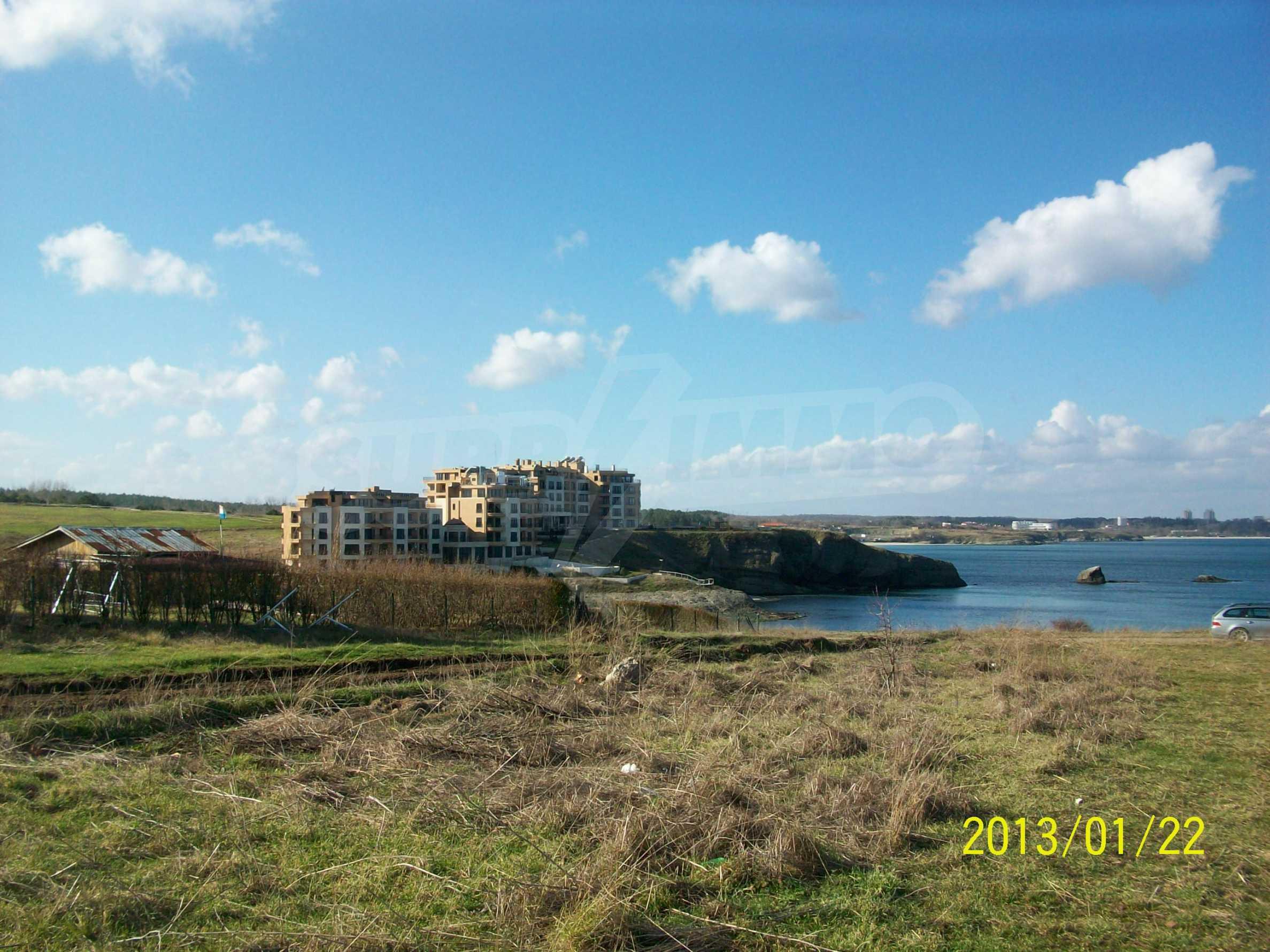Land for sale in resort village of Lozenets 6