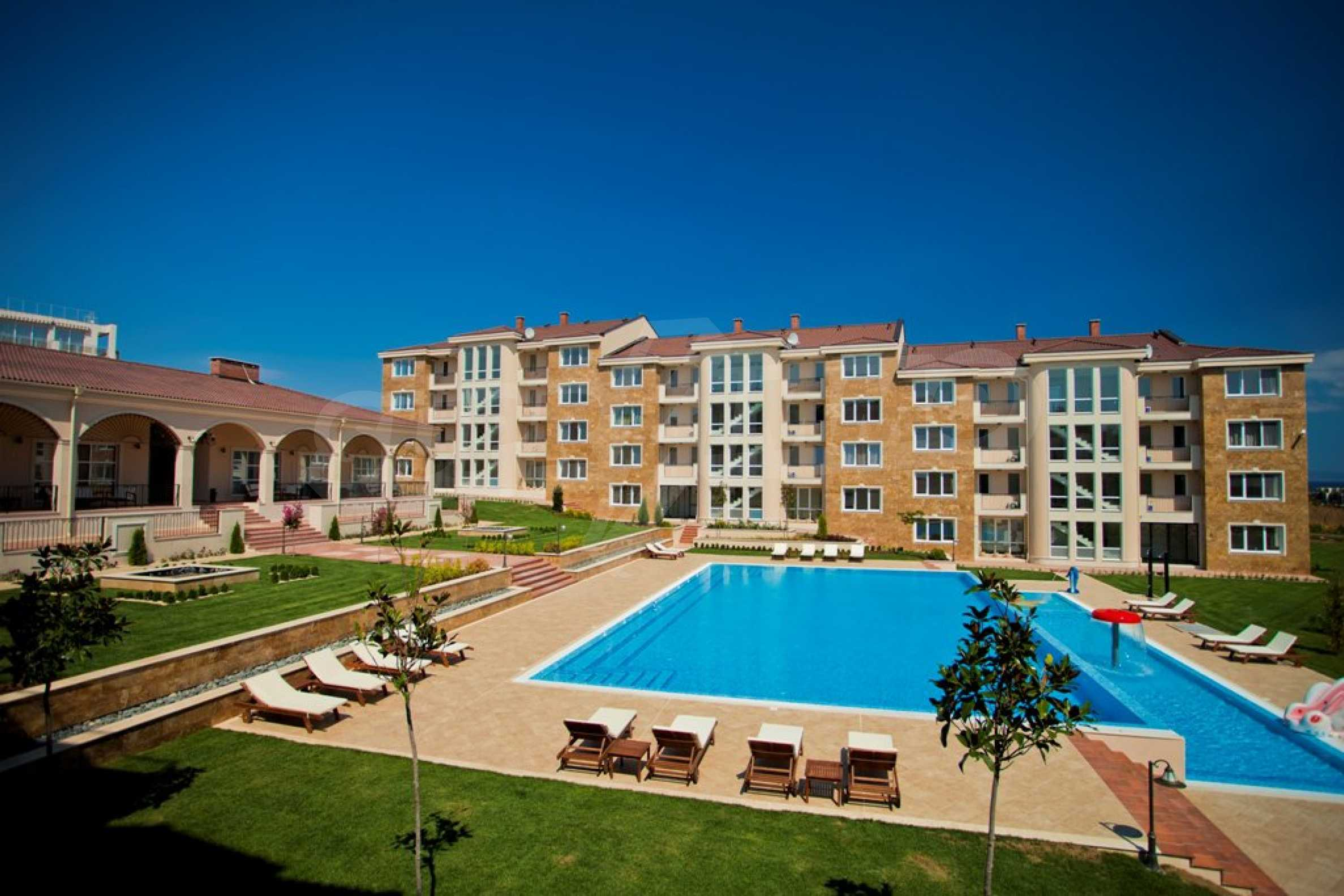 New apartment complex Atia resort in Chernomorets 3