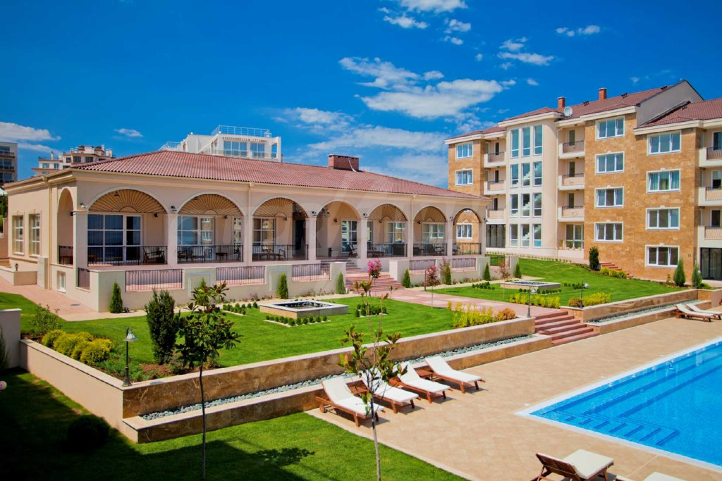 New apartment complex Atia resort in Chernomorets 4