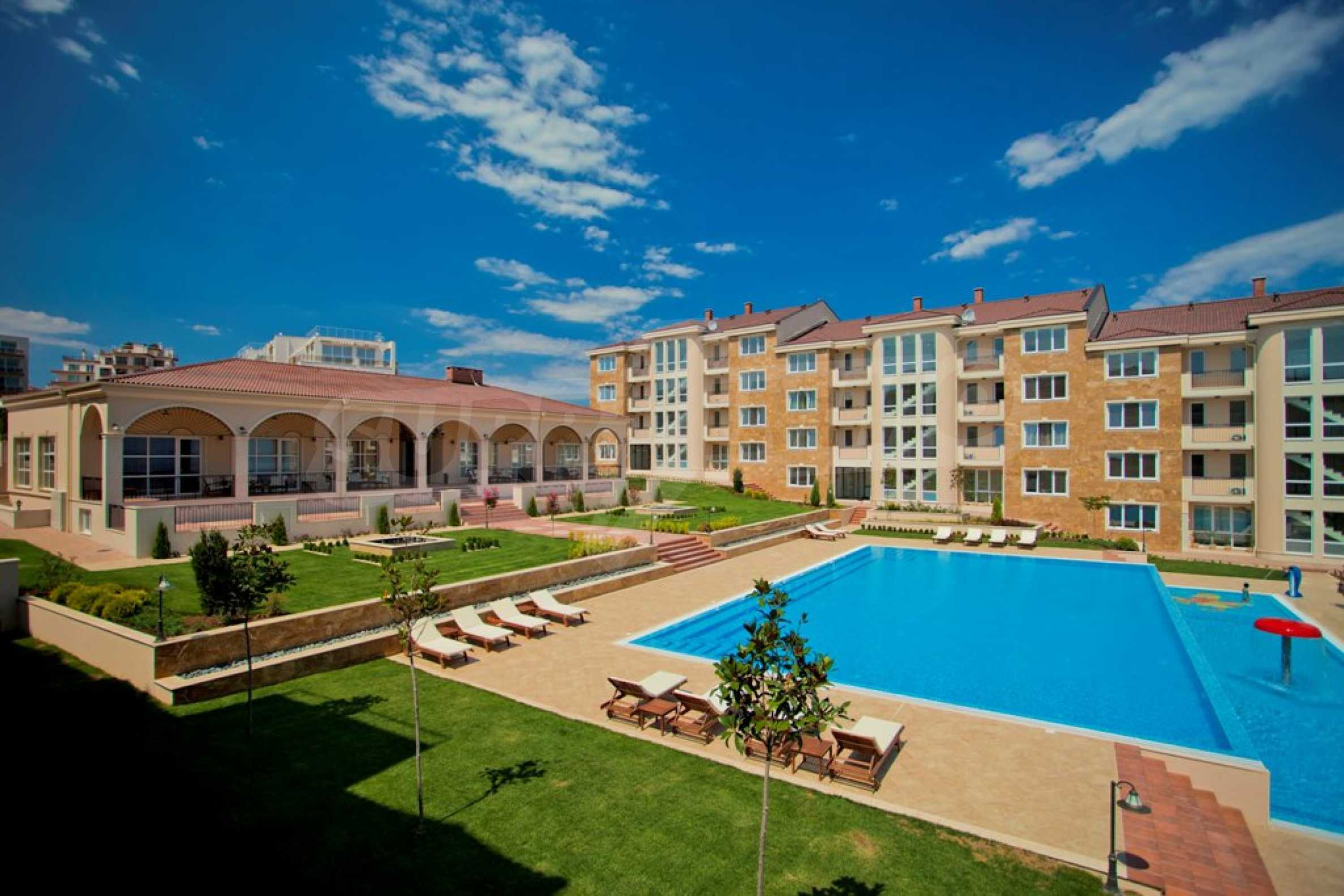 New apartment complex Atia resort in Chernomorets 9