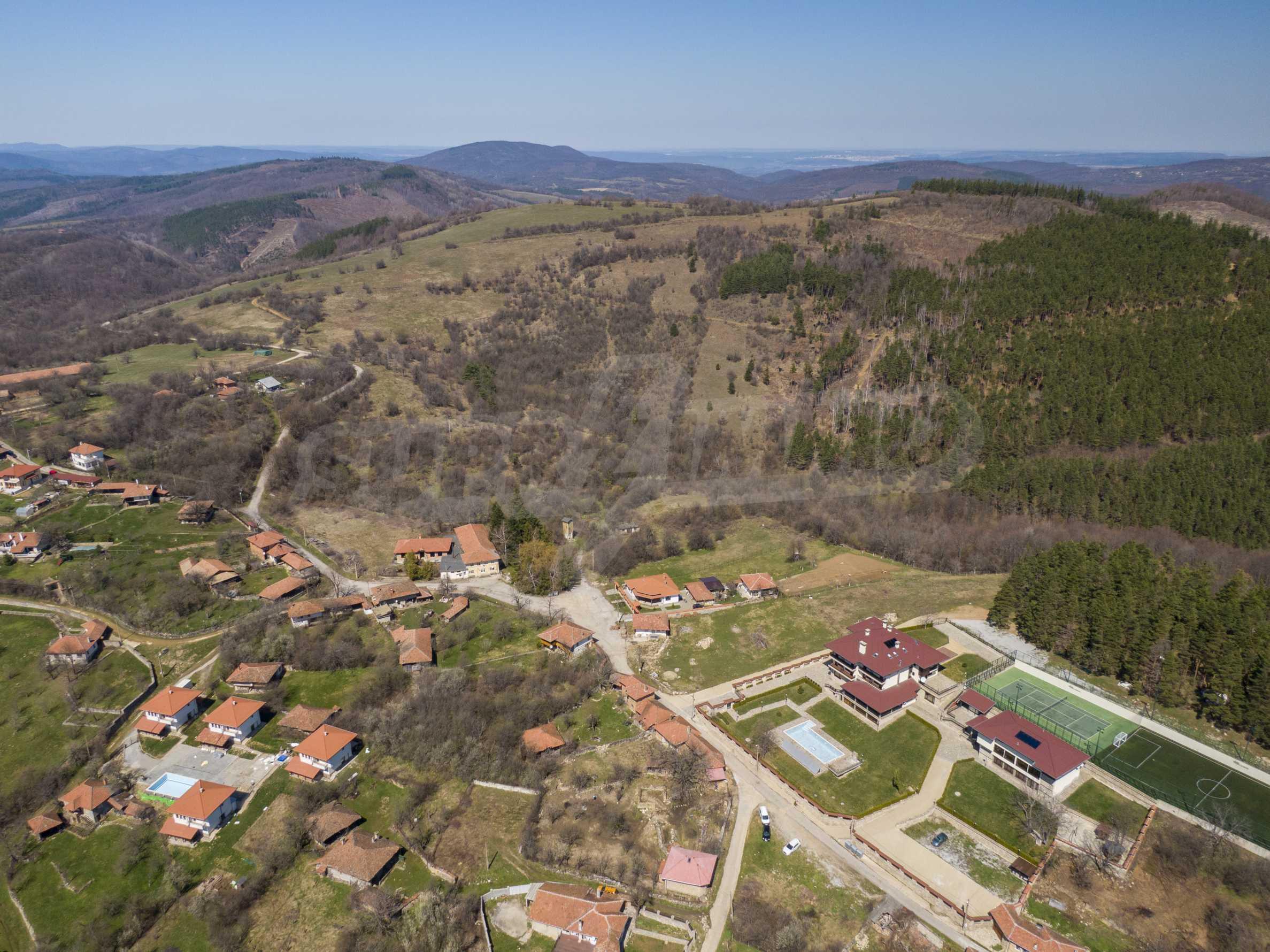 Zwei Doppelhäuser mit Swimmingpool in einem gemeinsamen Hof, nur 5 km vom Yovkovtsi-Damm entfernt 9