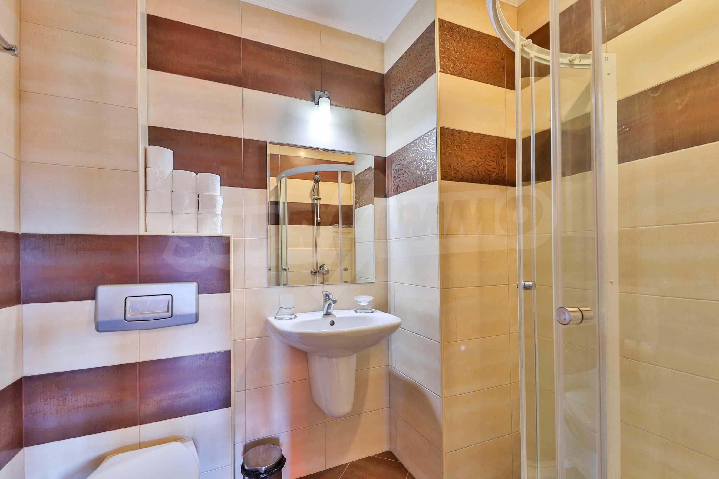 Zwei Doppelhäuser mit Swimmingpool in einem gemeinsamen Hof, nur 5 km vom Yovkovtsi-Damm entfernt 23