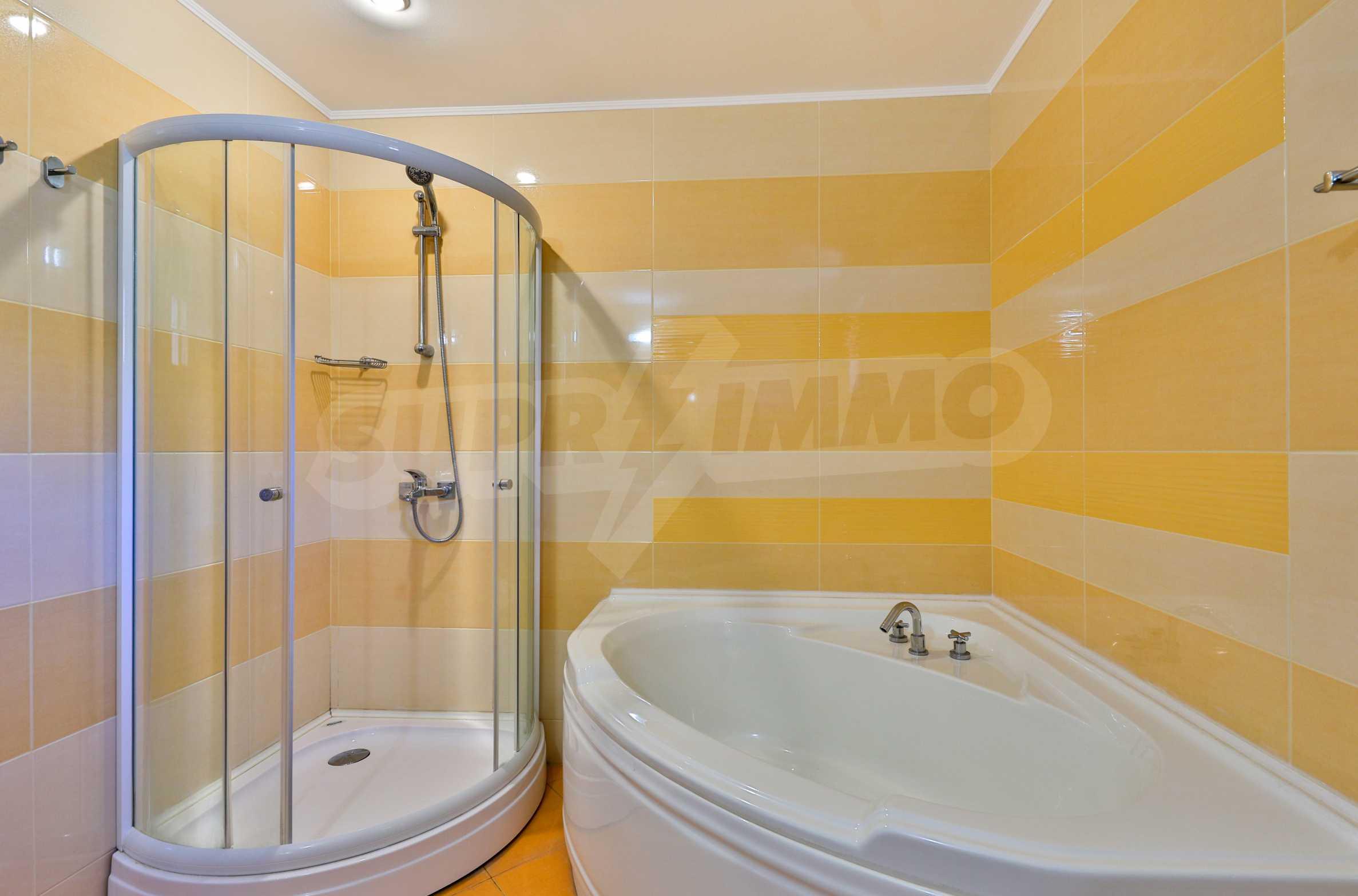 Zwei Doppelhäuser mit Swimmingpool in einem gemeinsamen Hof, nur 5 km vom Yovkovtsi-Damm entfernt 36
