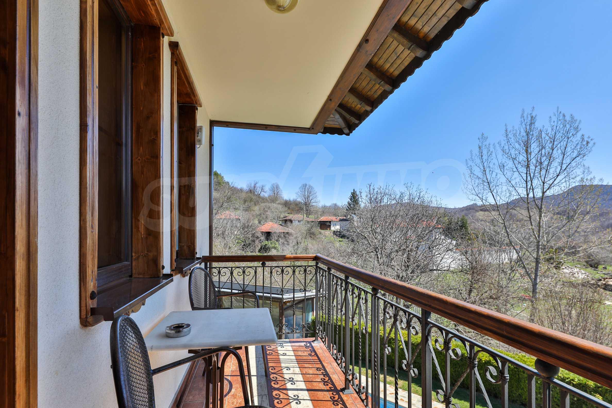 Zwei Doppelhäuser mit Swimmingpool in einem gemeinsamen Hof, nur 5 km vom Yovkovtsi-Damm entfernt 41