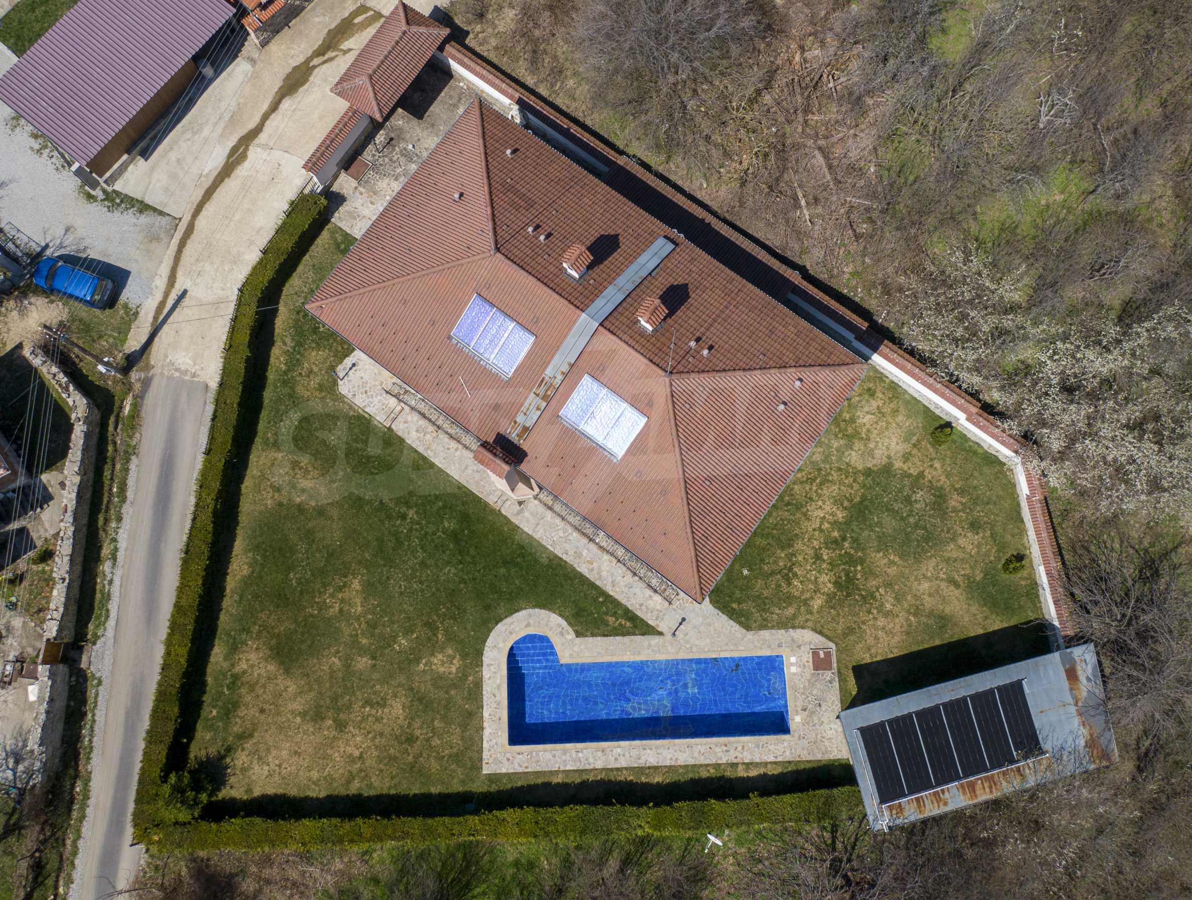 Zwei Doppelhäuser mit Swimmingpool in einem gemeinsamen Hof, nur 5 km vom Yovkovtsi-Damm entfernt 51