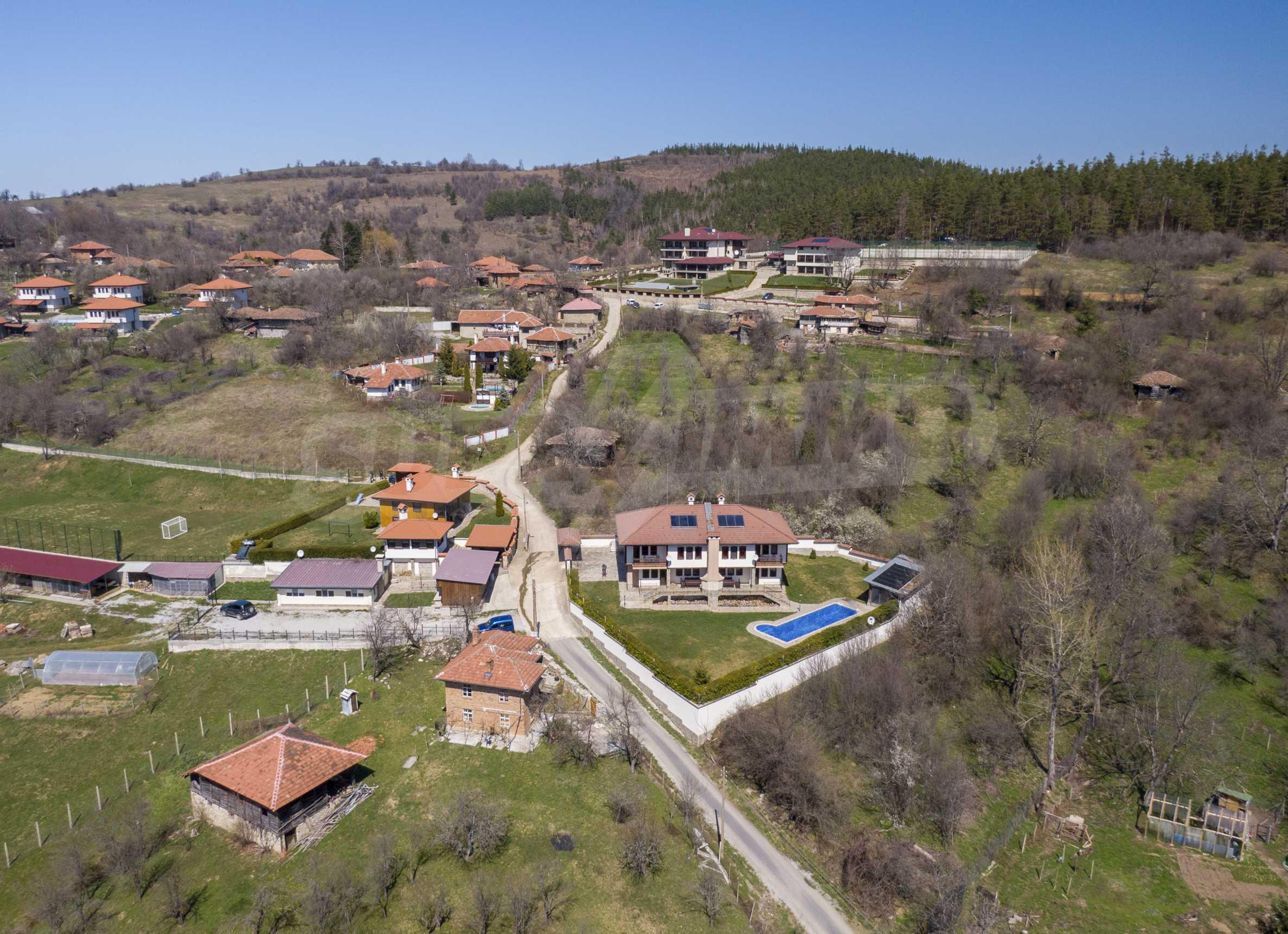 Zwei Doppelhäuser mit Swimmingpool in einem gemeinsamen Hof, nur 5 km vom Yovkovtsi-Damm entfernt 54