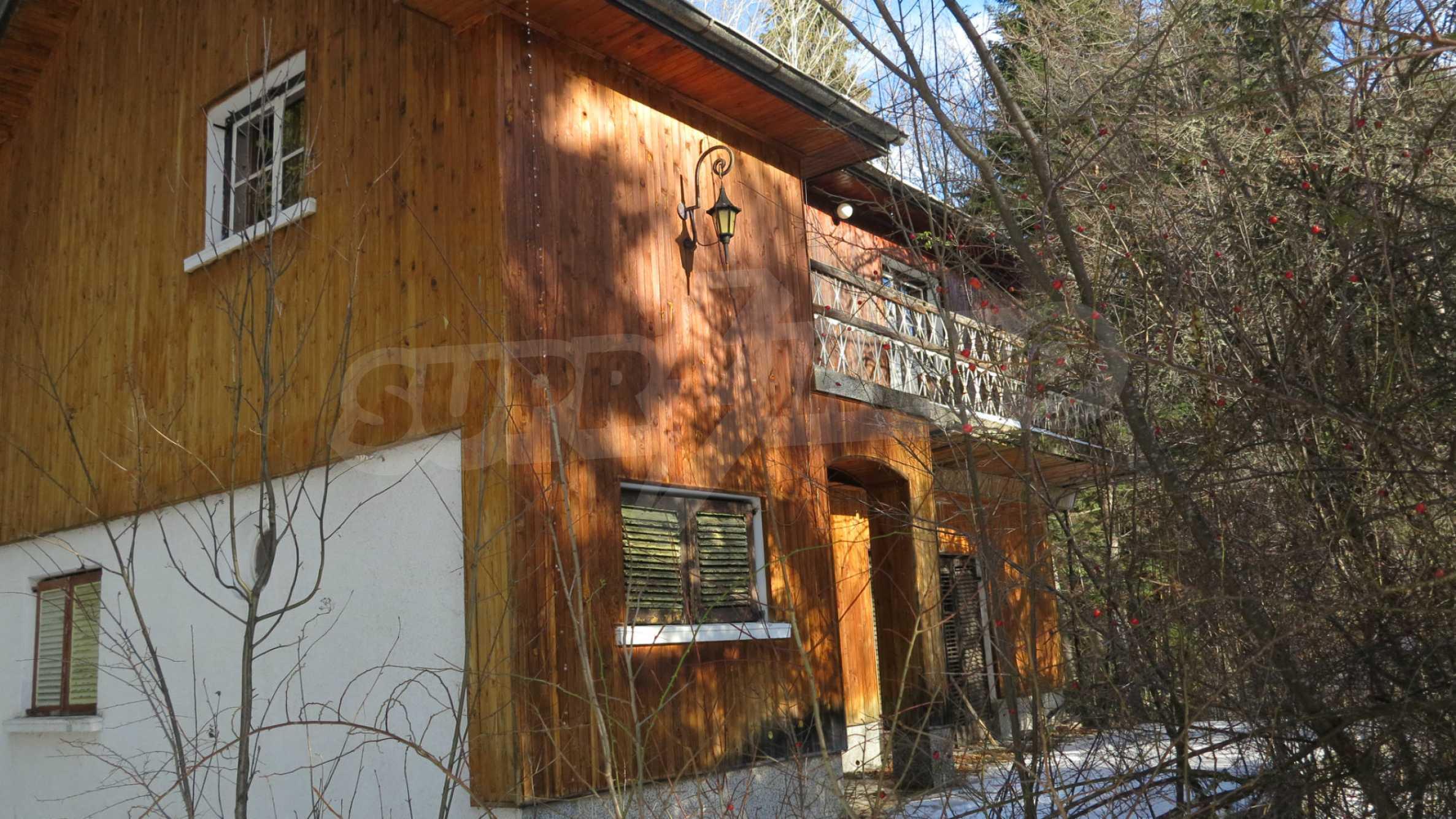 Großes Grundstück mit zweistöckiger Villa im Skigebiet Borovets 9