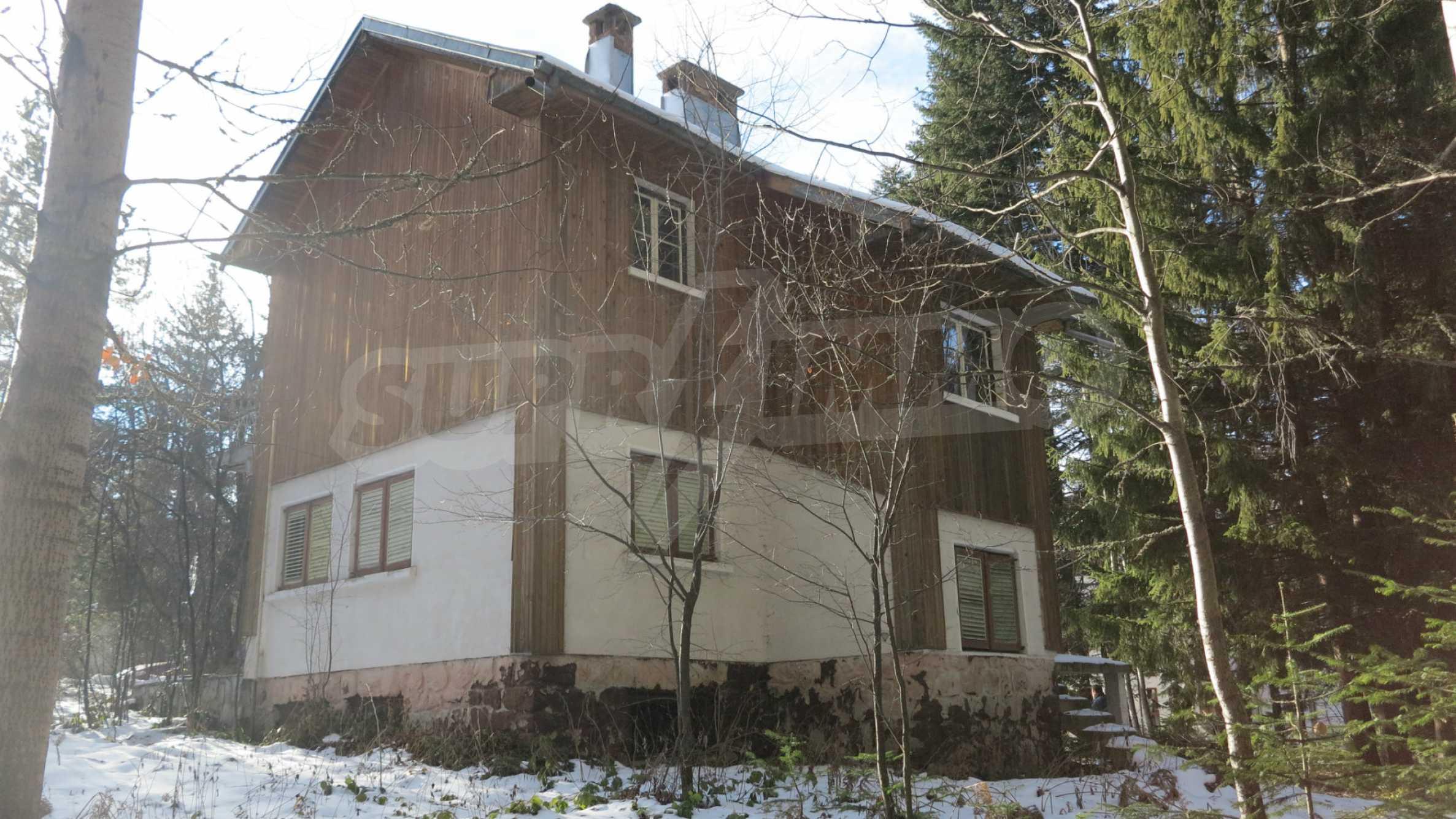 Großes Grundstück mit zweistöckiger Villa im Skigebiet Borovets 4