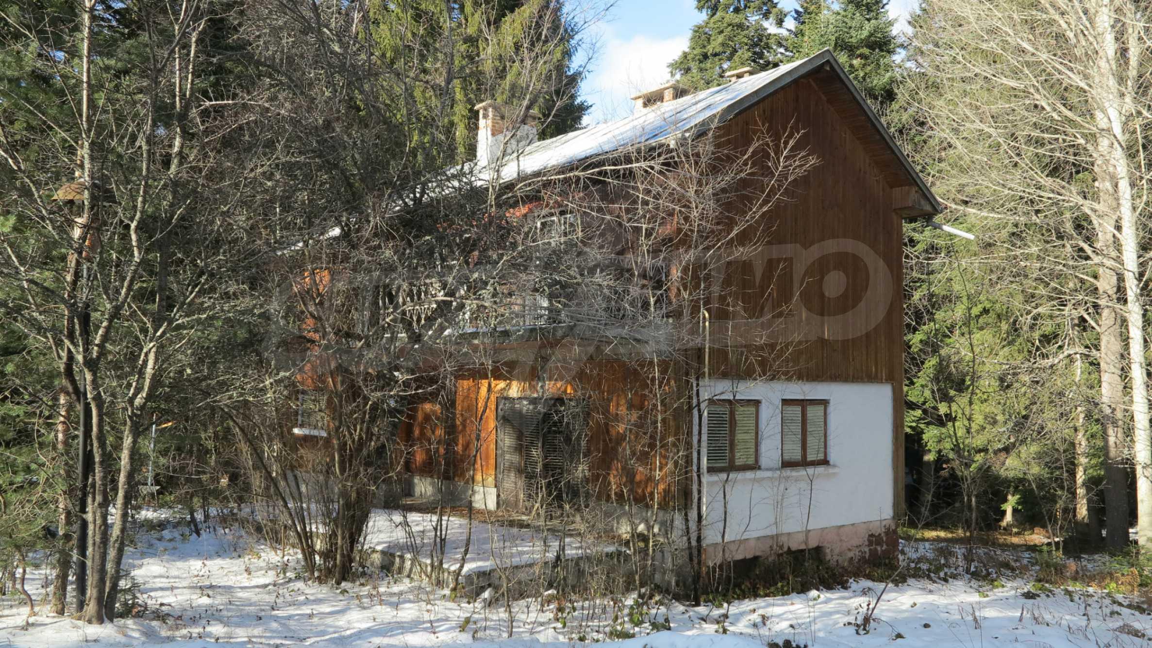 Großes Grundstück mit zweistöckiger Villa im Skigebiet Borovets 7
