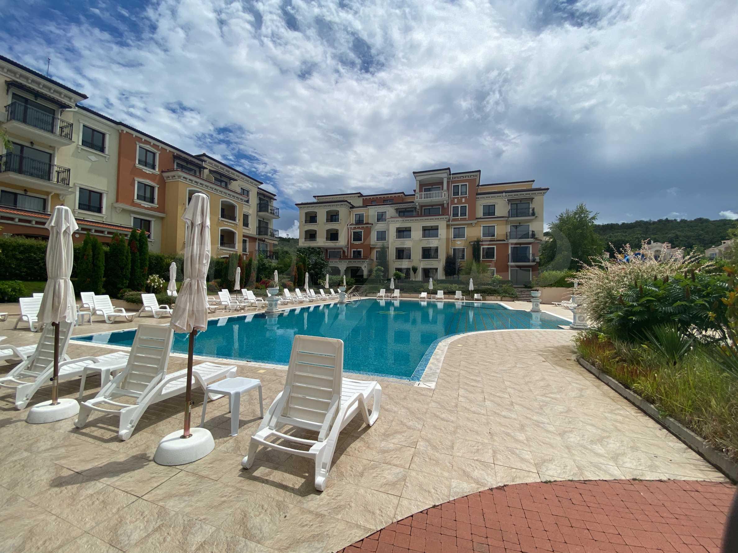 Lily Beach - splendid, built in Italian style complex near Kavatsi beach (Sozopol)