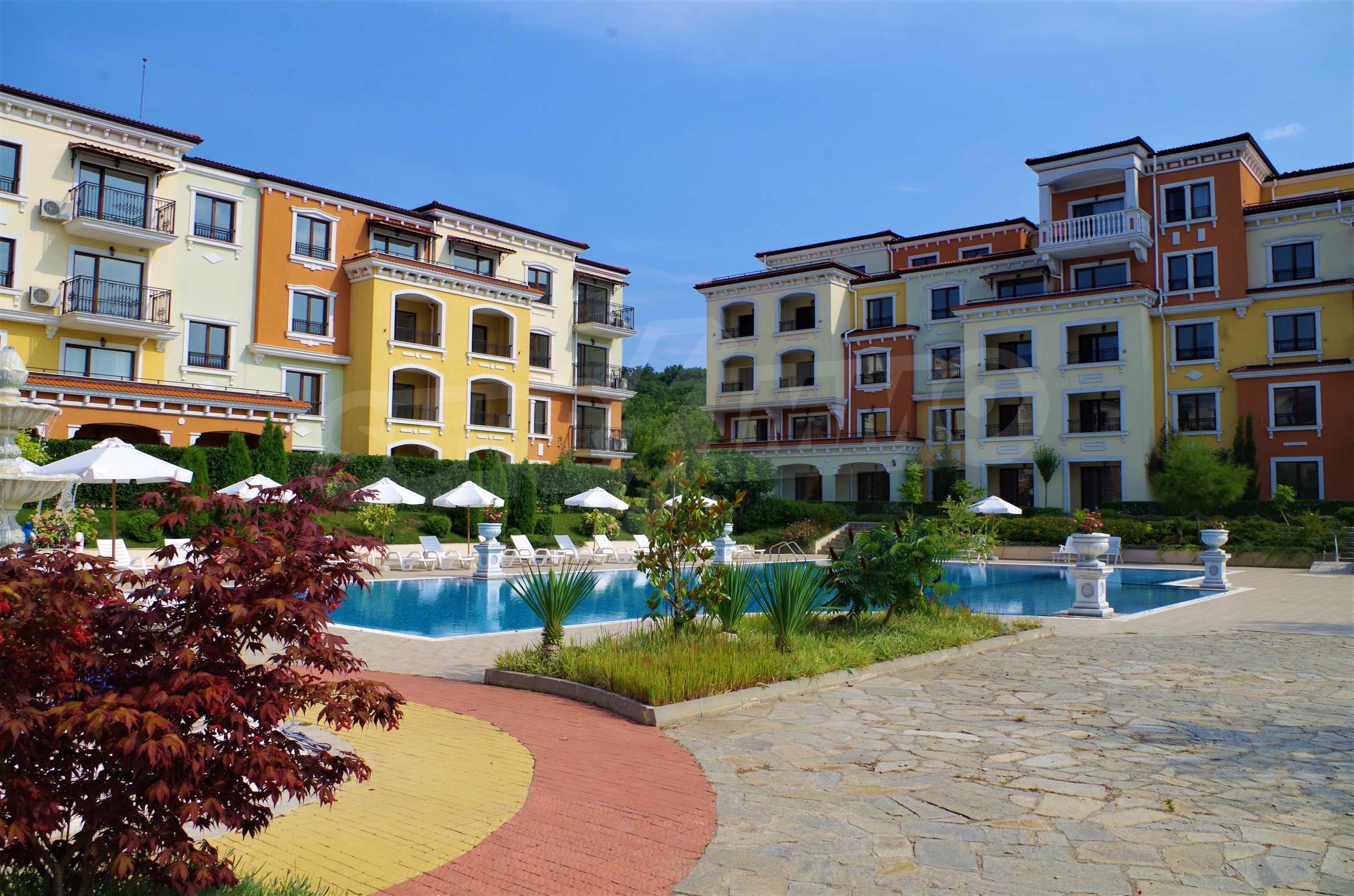 Lily Beach - splendid, built in Italian style complex near Kavatsi beach (Sozopol) 1