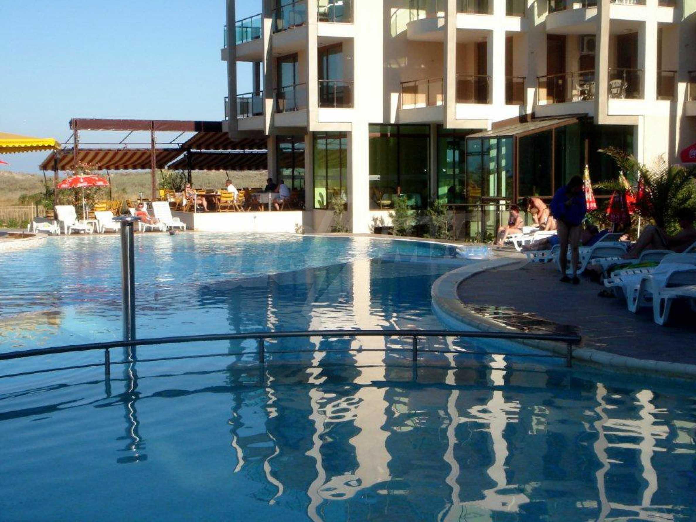 Luxus-Apartment mit zwei Schlafzimmern im Komplex Prestige City 2 in Primorsko 14