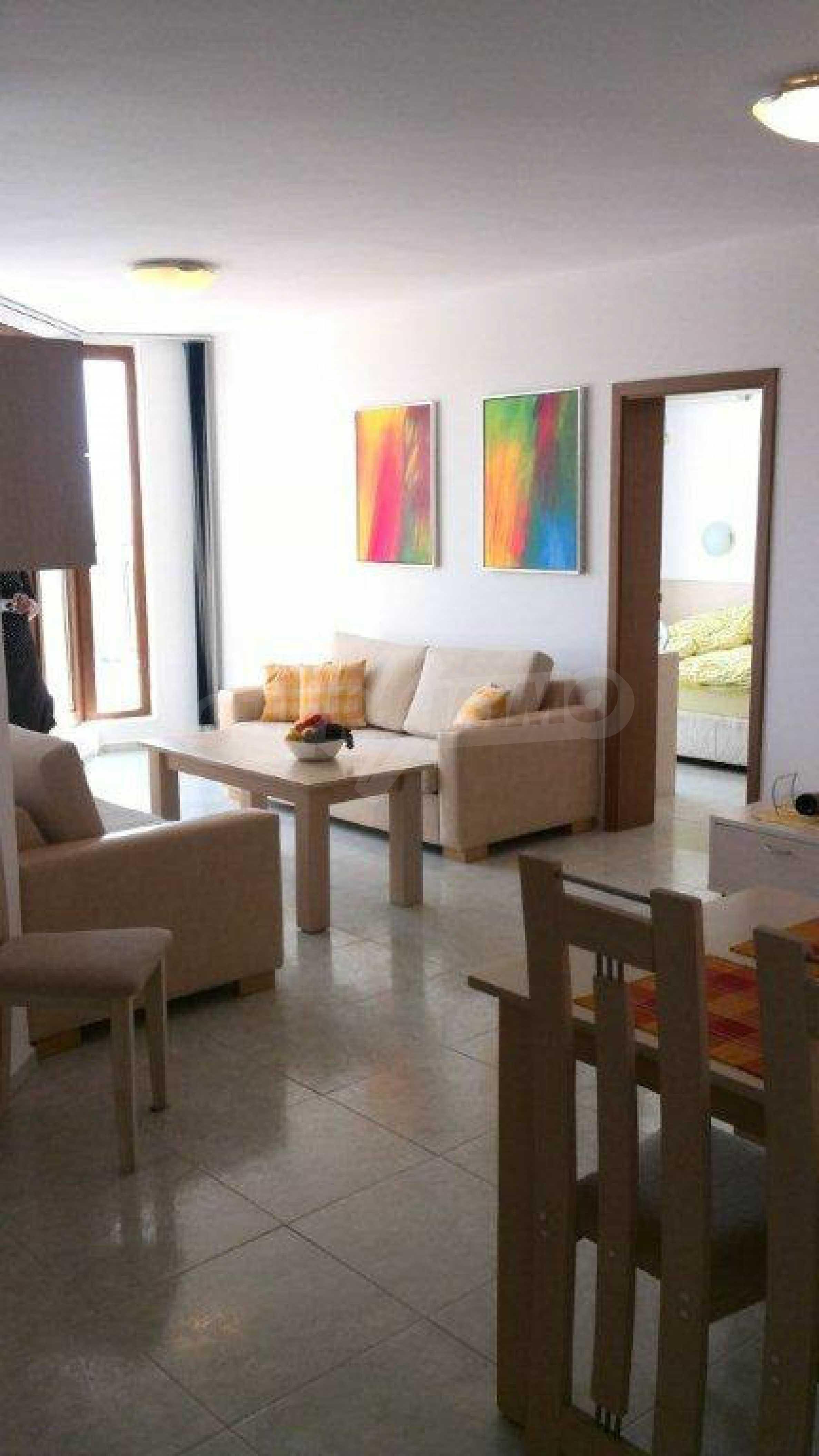 Luxus-Apartment mit zwei Schlafzimmern im Komplex Prestige City 2 in Primorsko 4