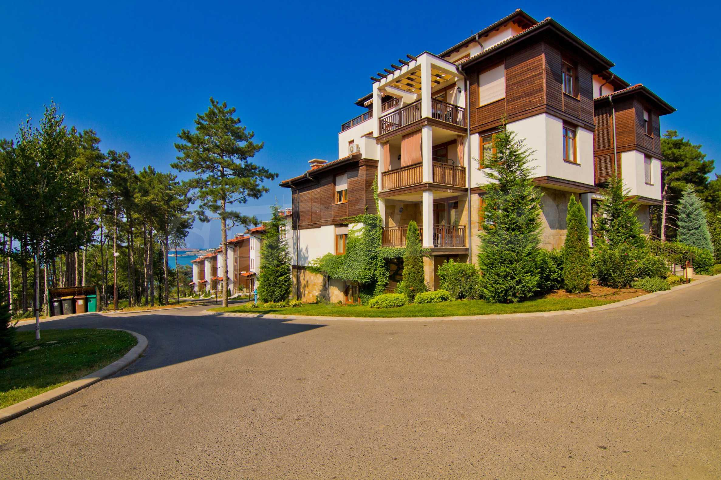 Впечатляващ комплекс с ваканционни жилища в близост до Созопол 17