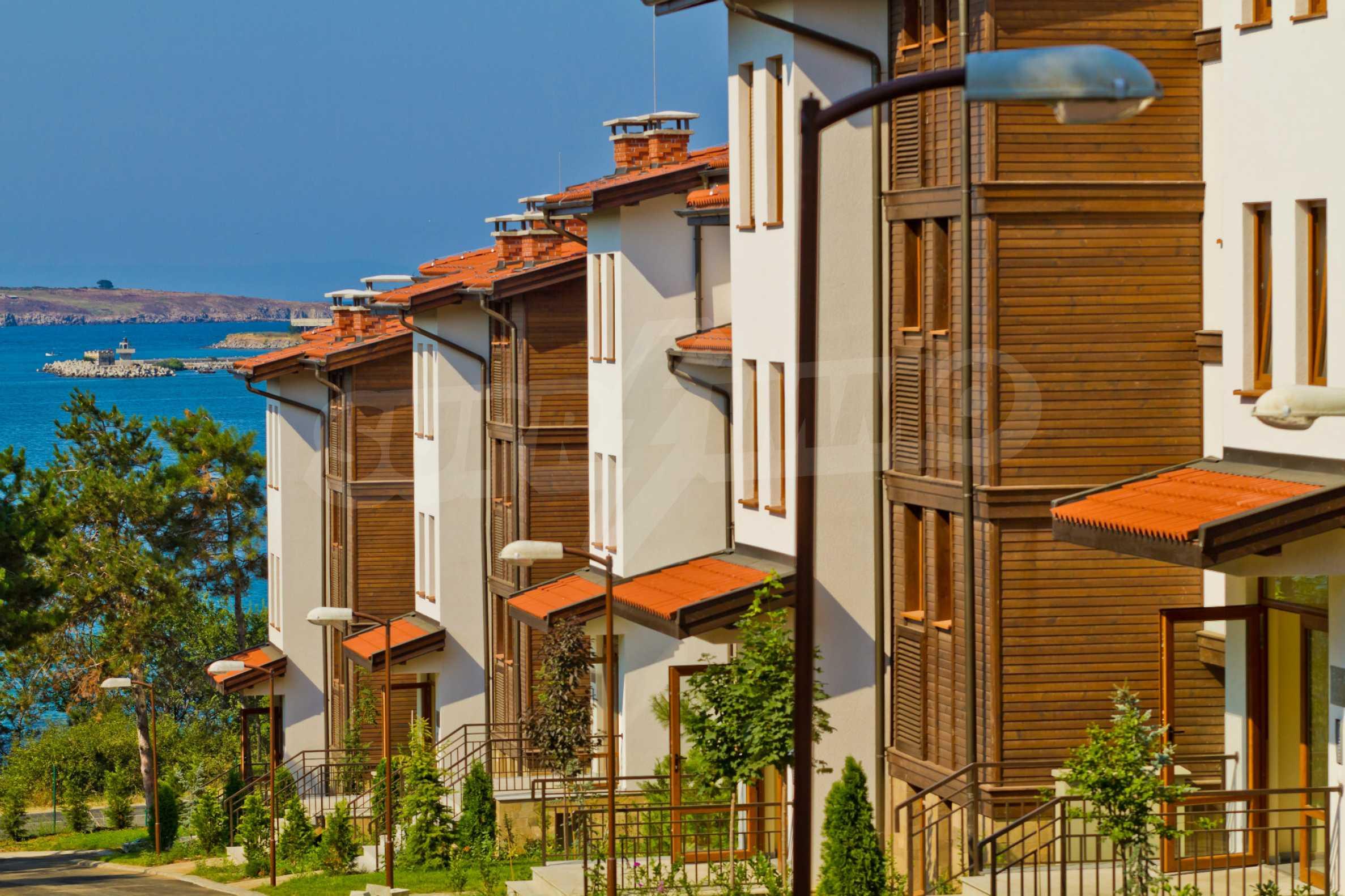 Впечатляващ комплекс с ваканционни жилища в близост до Созопол 15