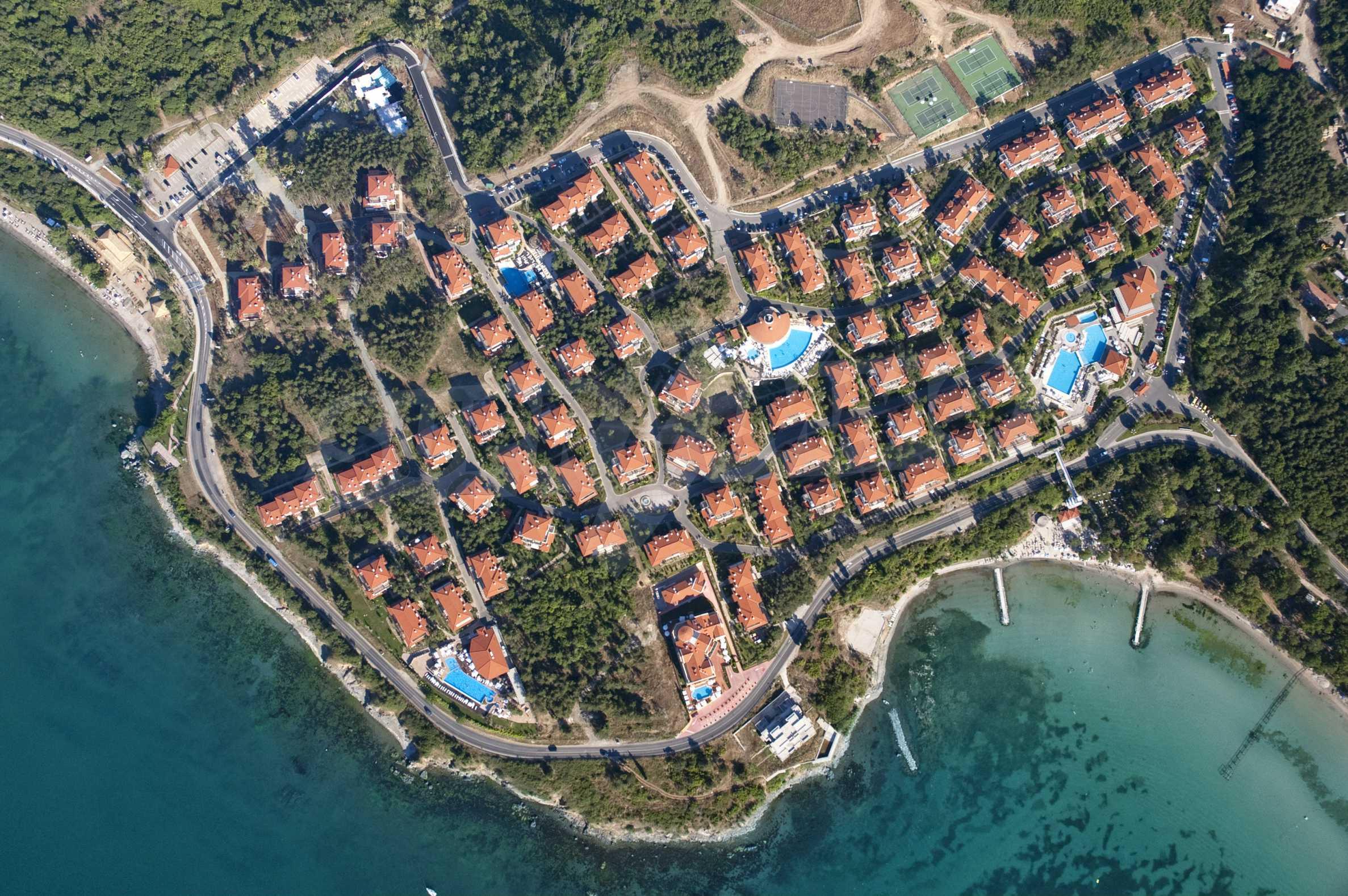 Впечатляващ комплекс с ваканционни жилища в близост до Созопол 1