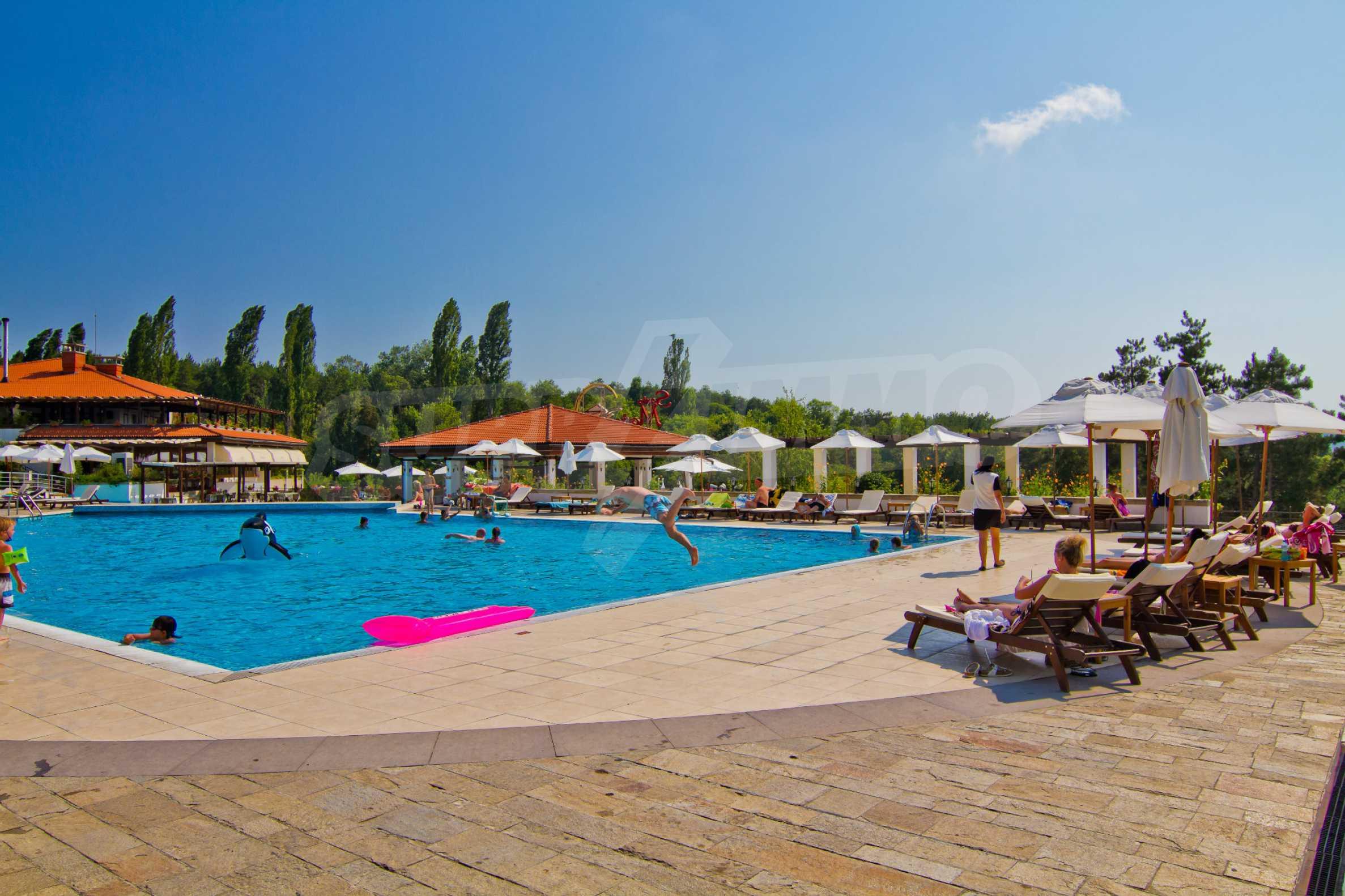 Впечатляващ комплекс с ваканционни жилища в близост до Созопол 31