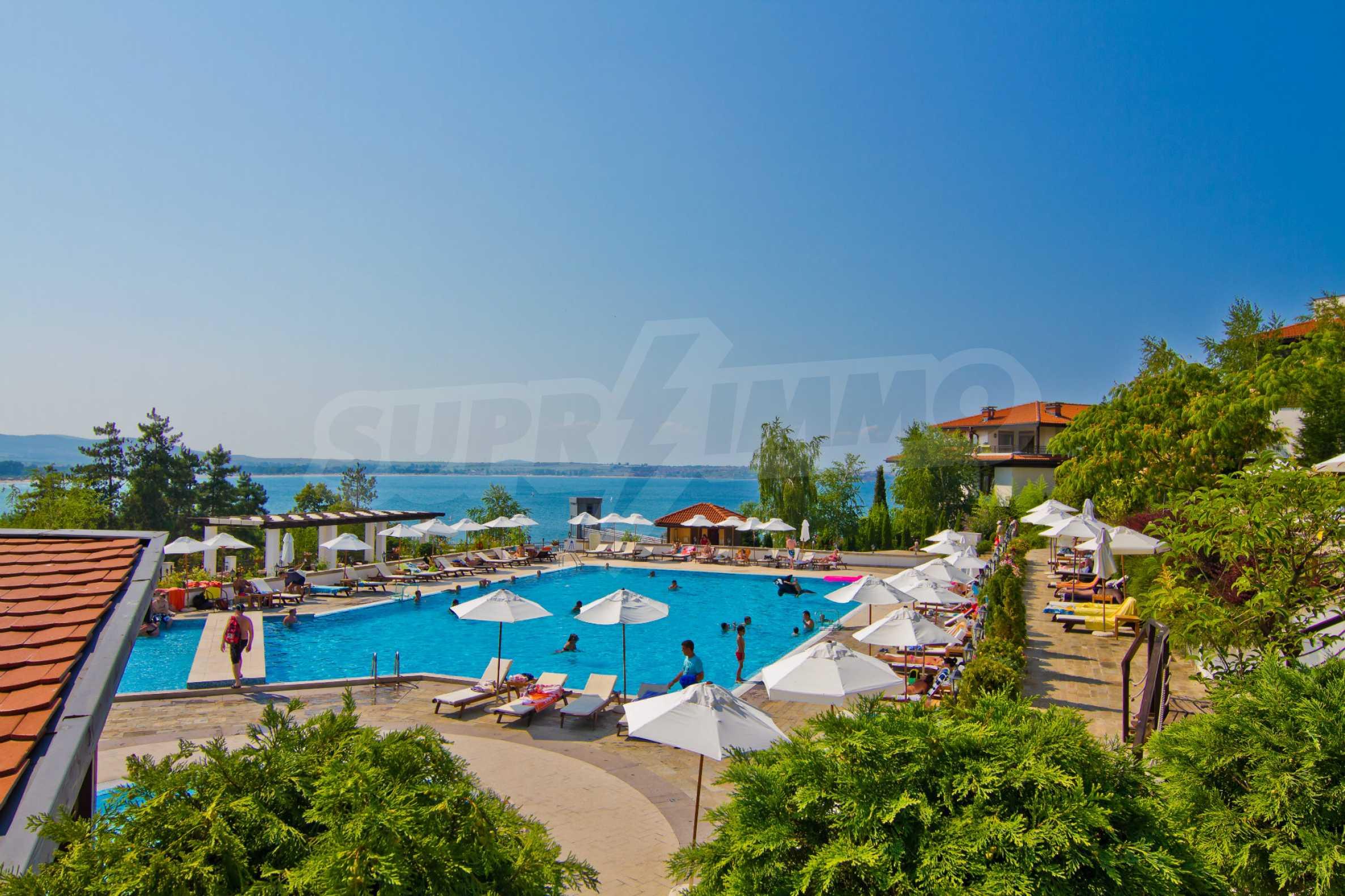 Впечатляващ комплекс с ваканционни жилища в близост до Созопол 36