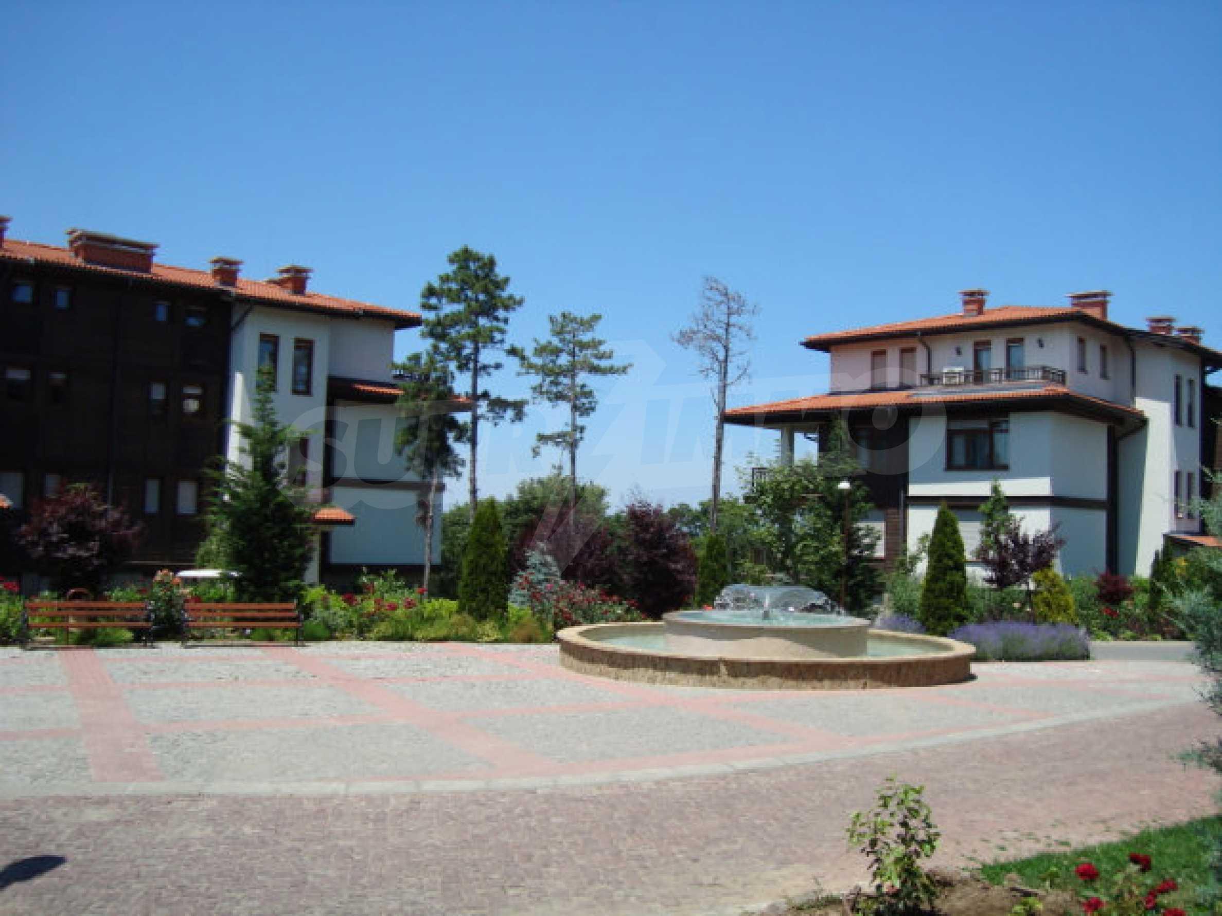 Впечатляващ комплекс с ваканционни жилища в близост до Созопол 51