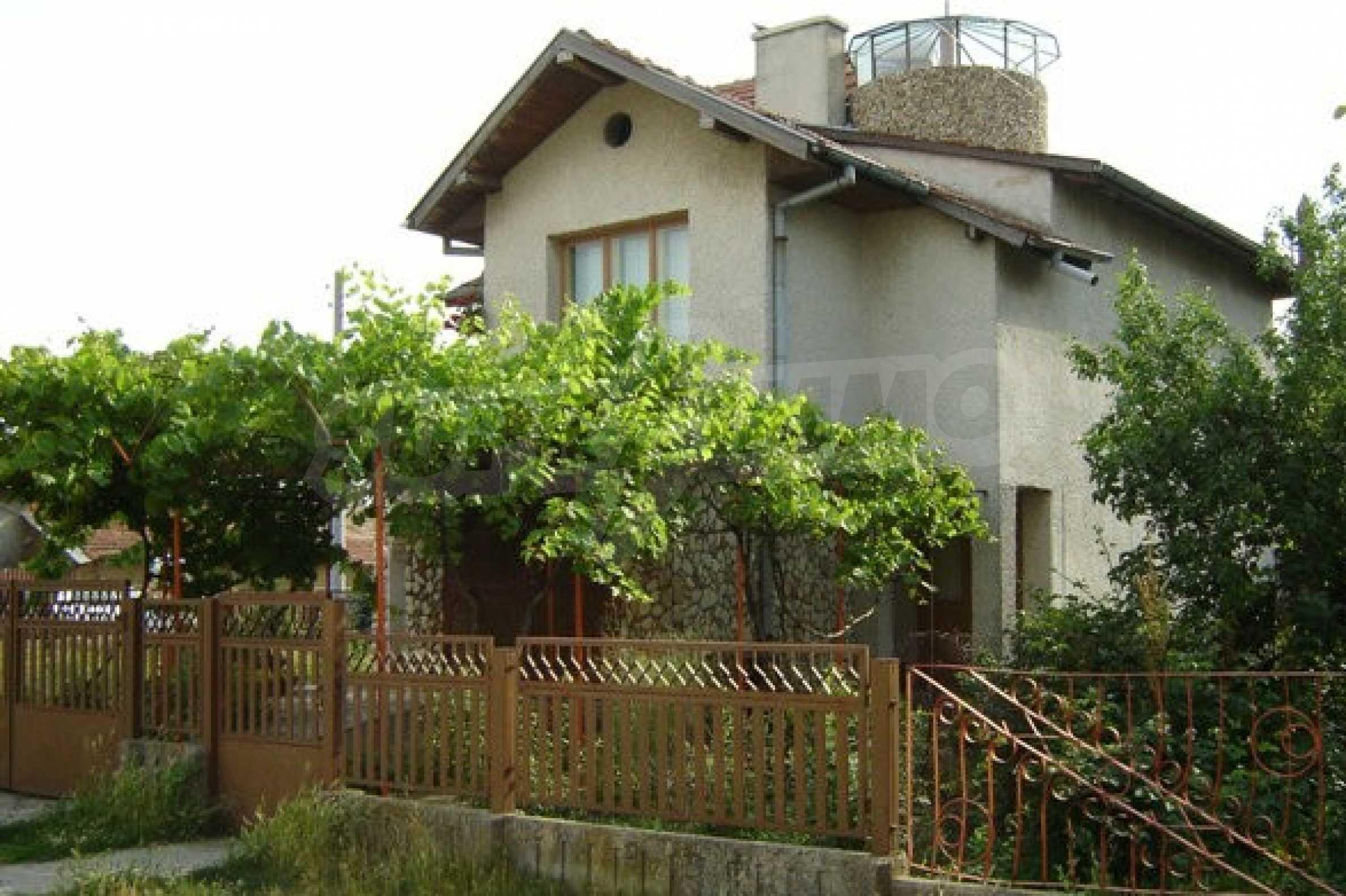 Dreistöckiges Haus 4 km von Dobritsch entfernt 4