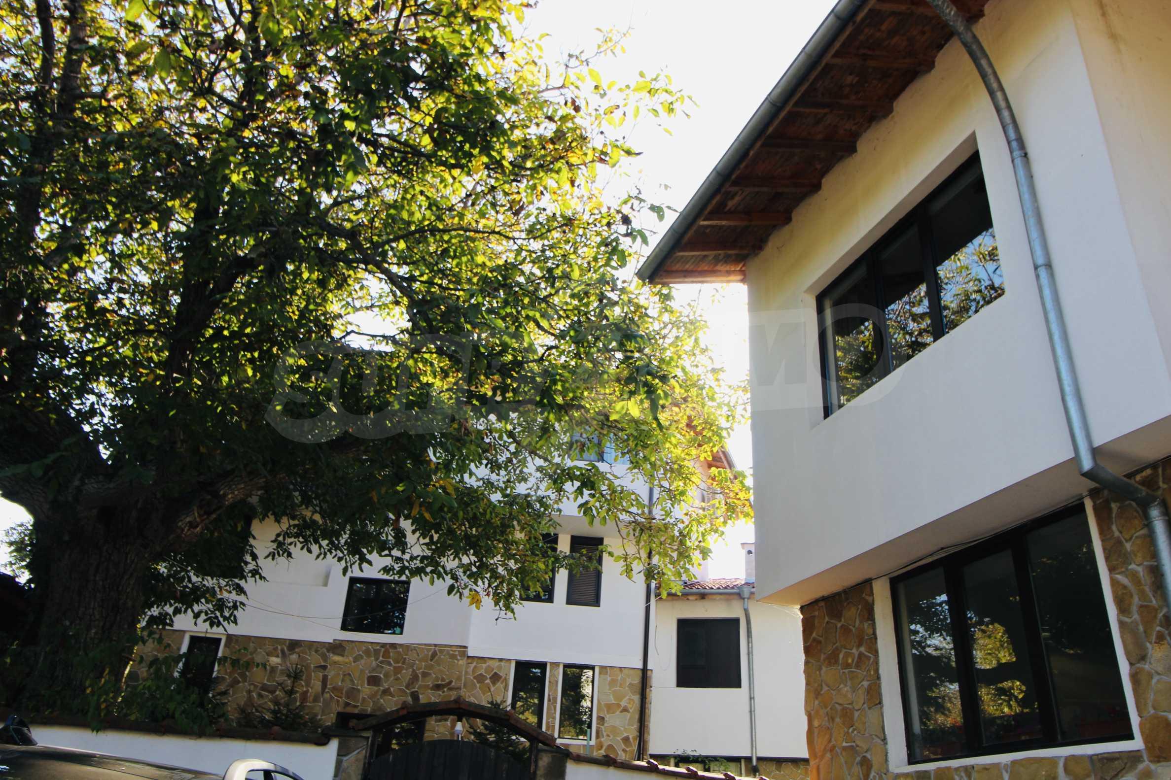 Zwei-Zimmer-Wohnung mit Parkplatz und Keller in der berühmten architektonischen Reserve Arbanassi 11
