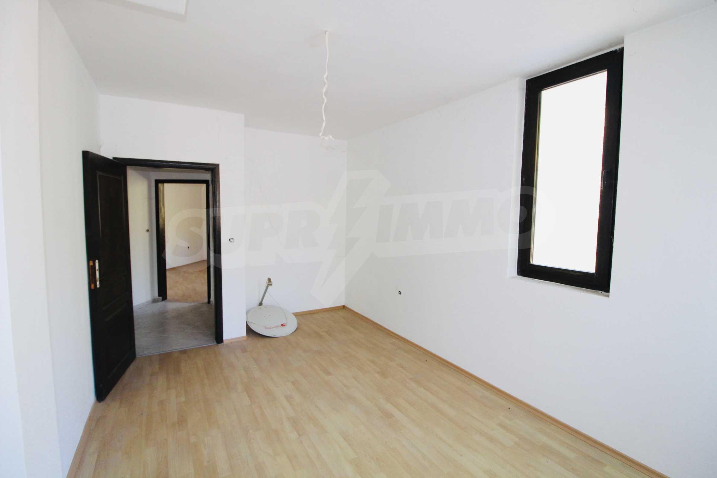 Zwei-Zimmer-Wohnung mit Parkplatz und Keller in der berühmten architektonischen Reserve Arbanassi 6